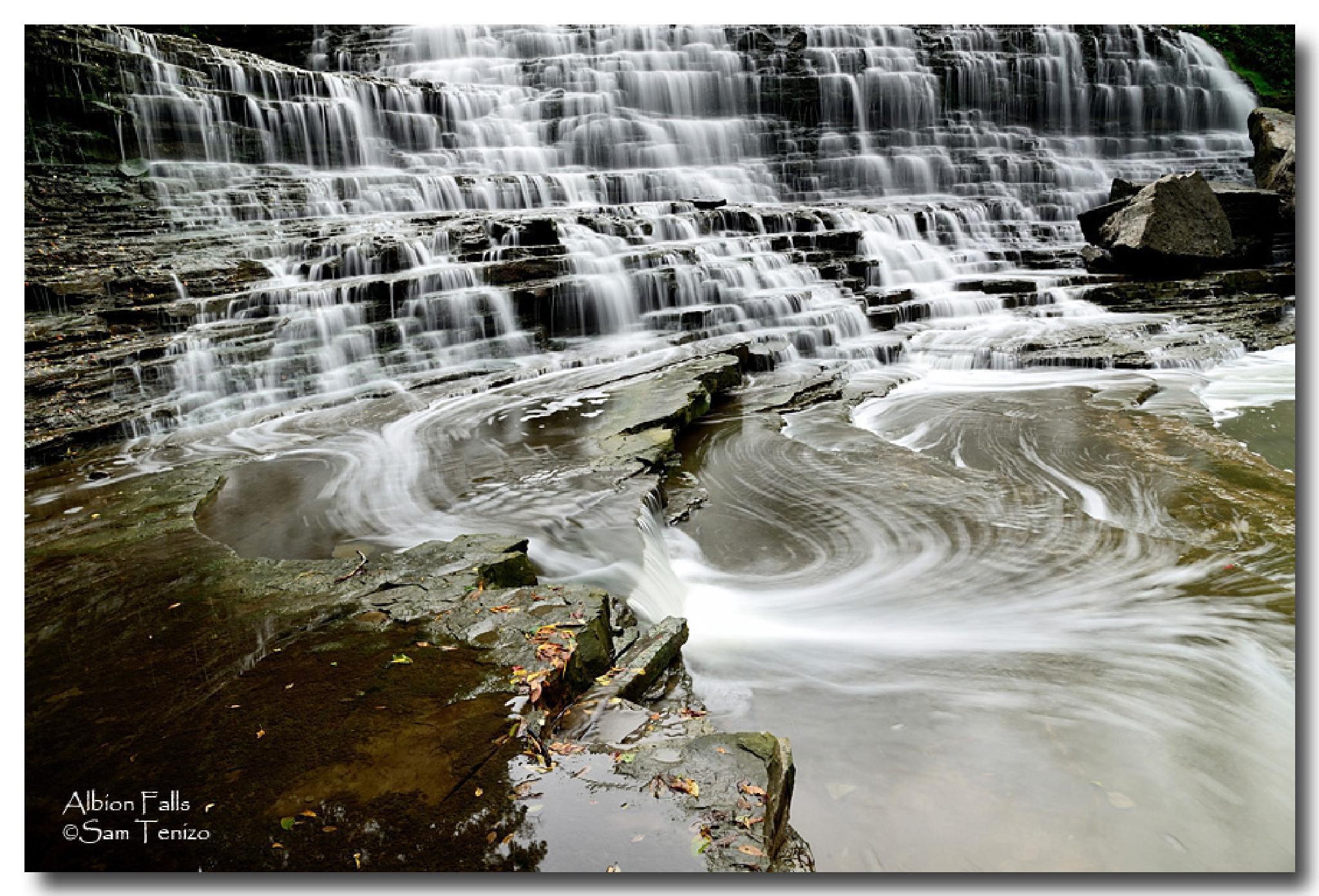 Albion Falls, Hamilton by SamTenizo