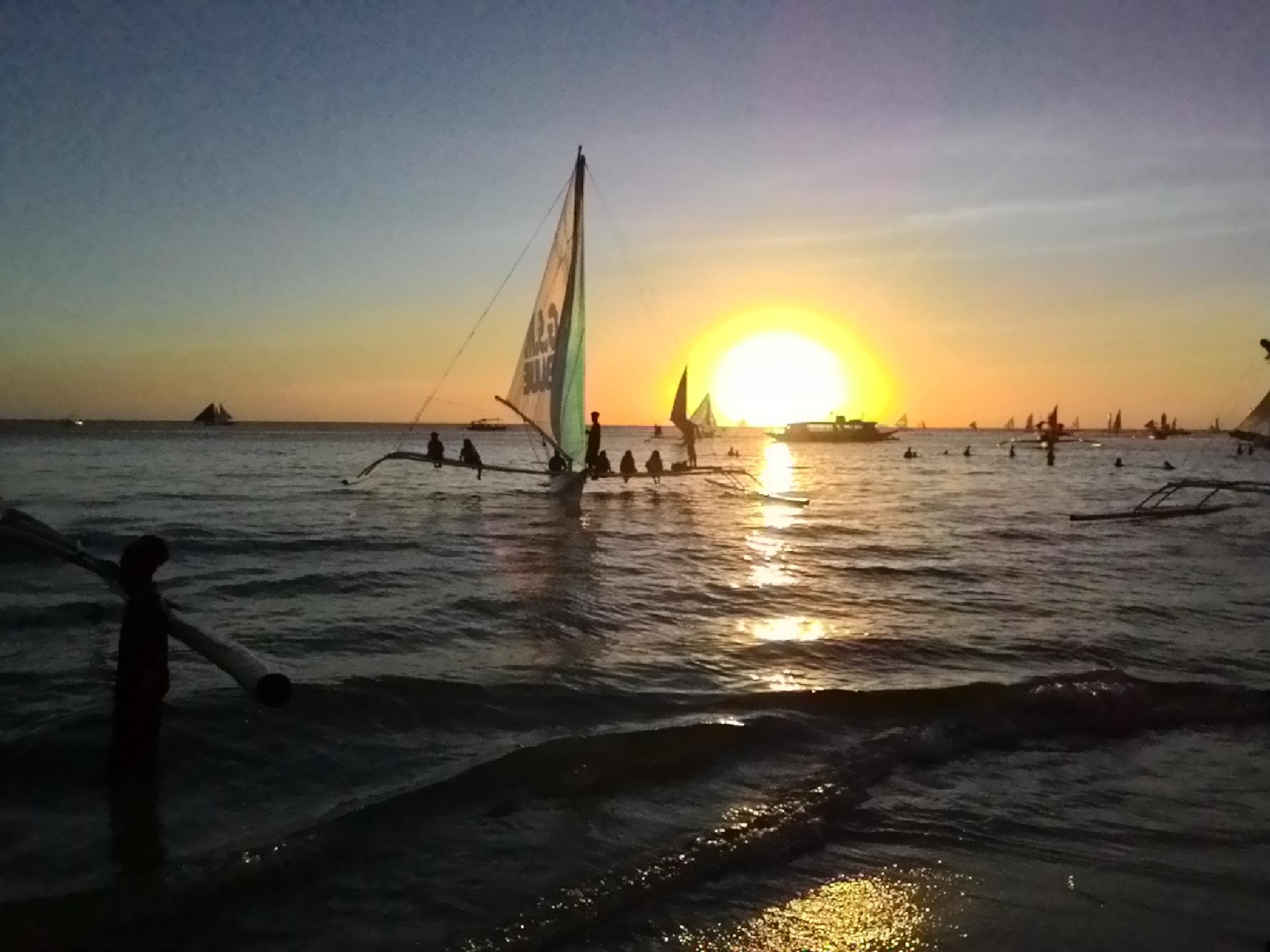 Sunset in Boracay by george