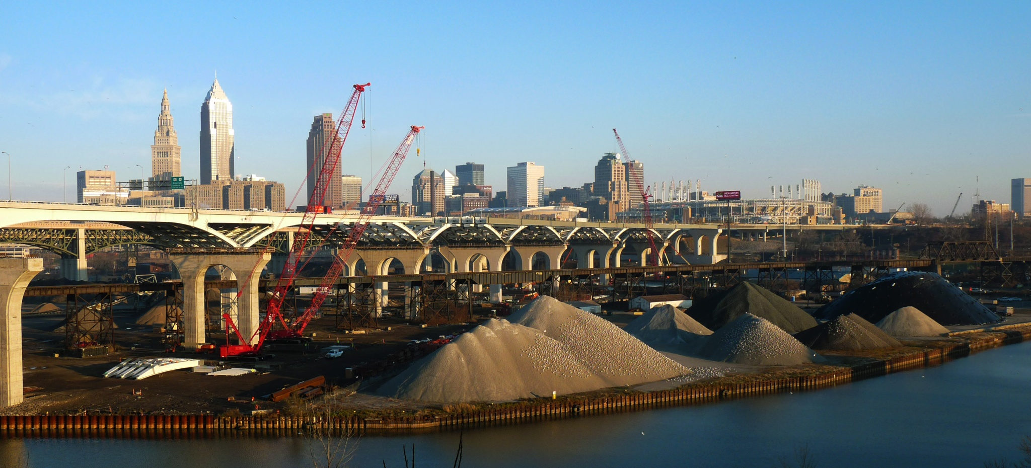 The expansion Freeway in the center of Cleveland. by Valeriy Shurik