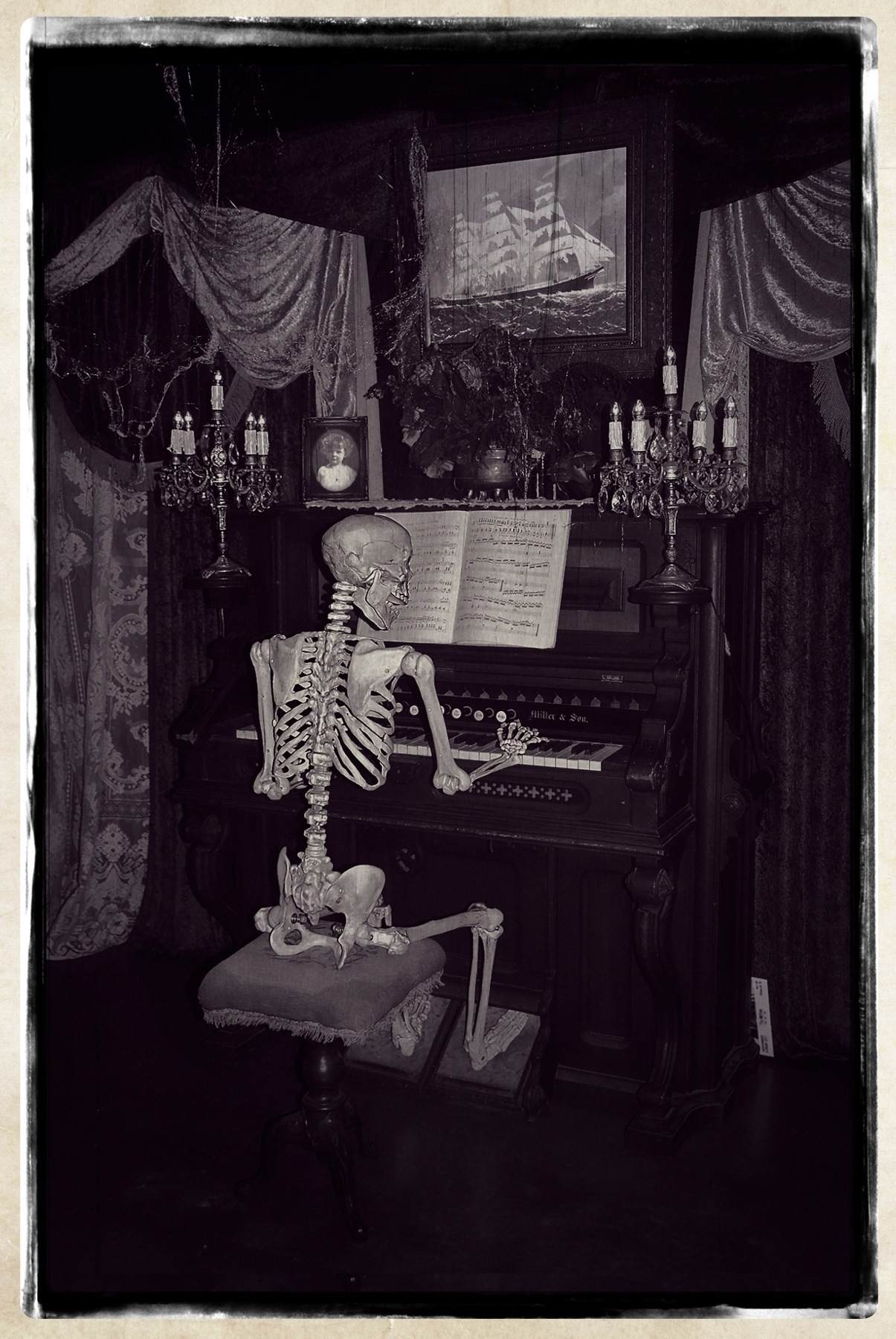 An Old Fashioned Spooky Melody by Lormet-Images