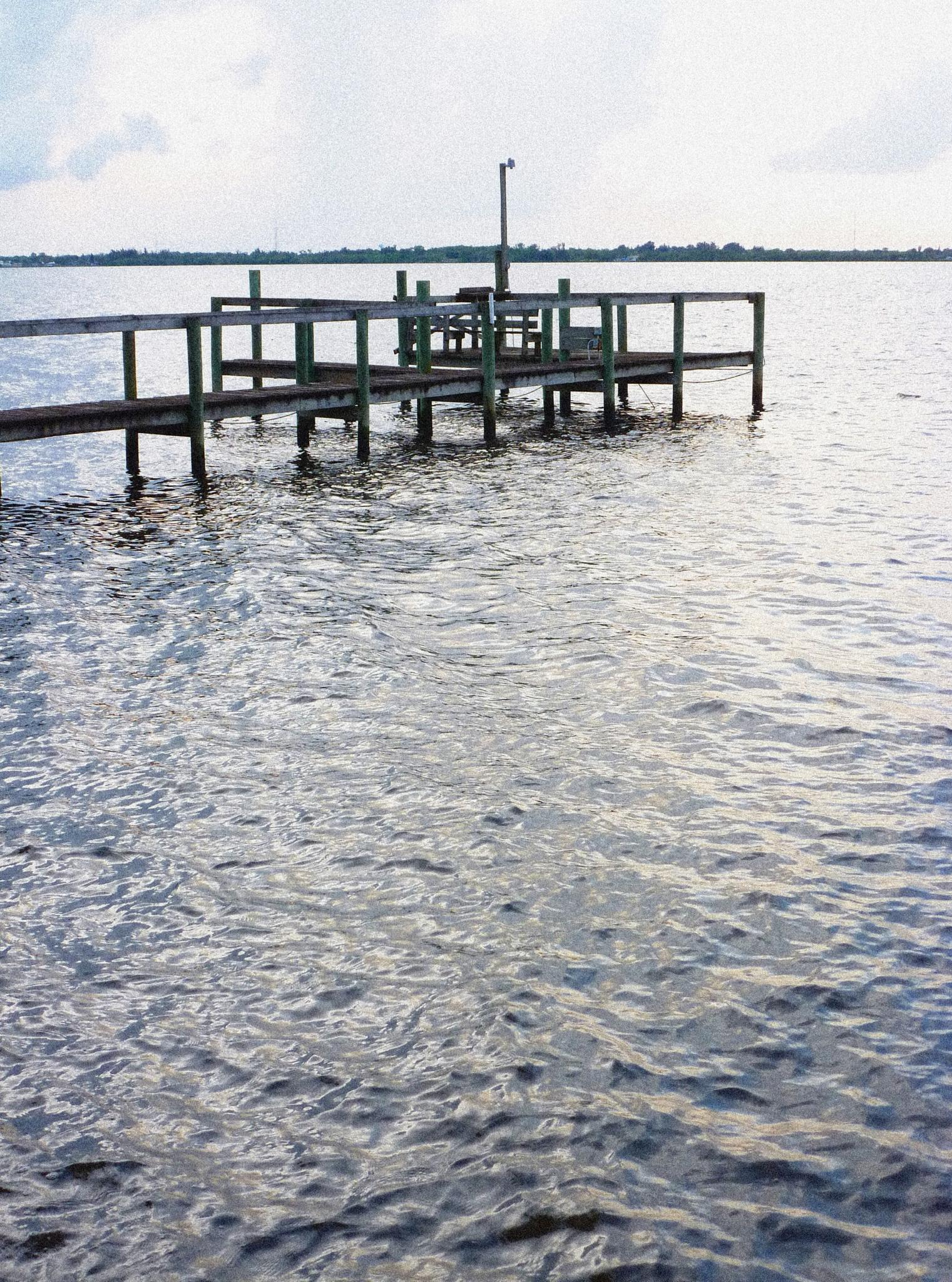 Damaged Pier, Caloosahatchee River by downwindpassage