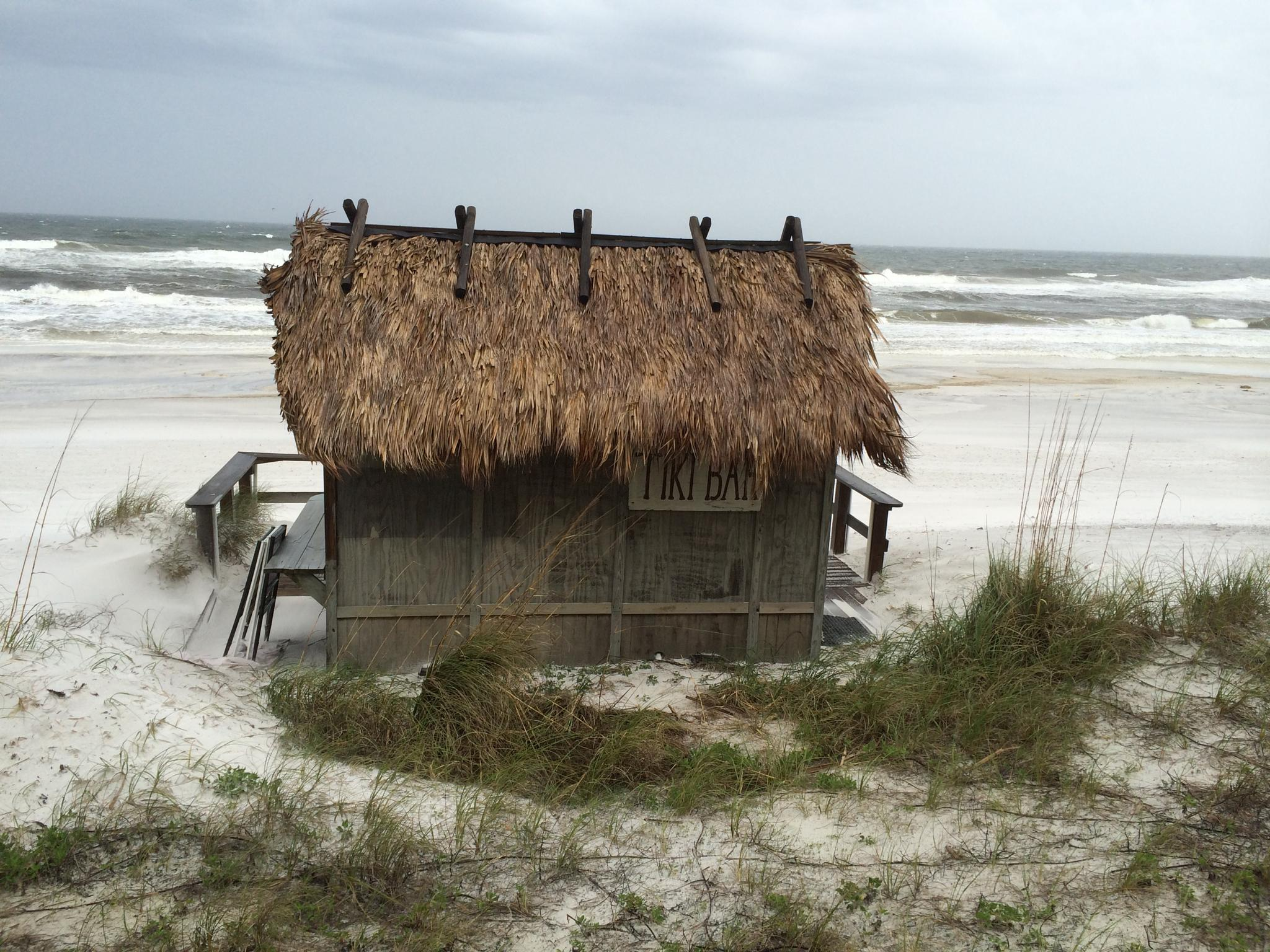 Hut by the Sea by mrode