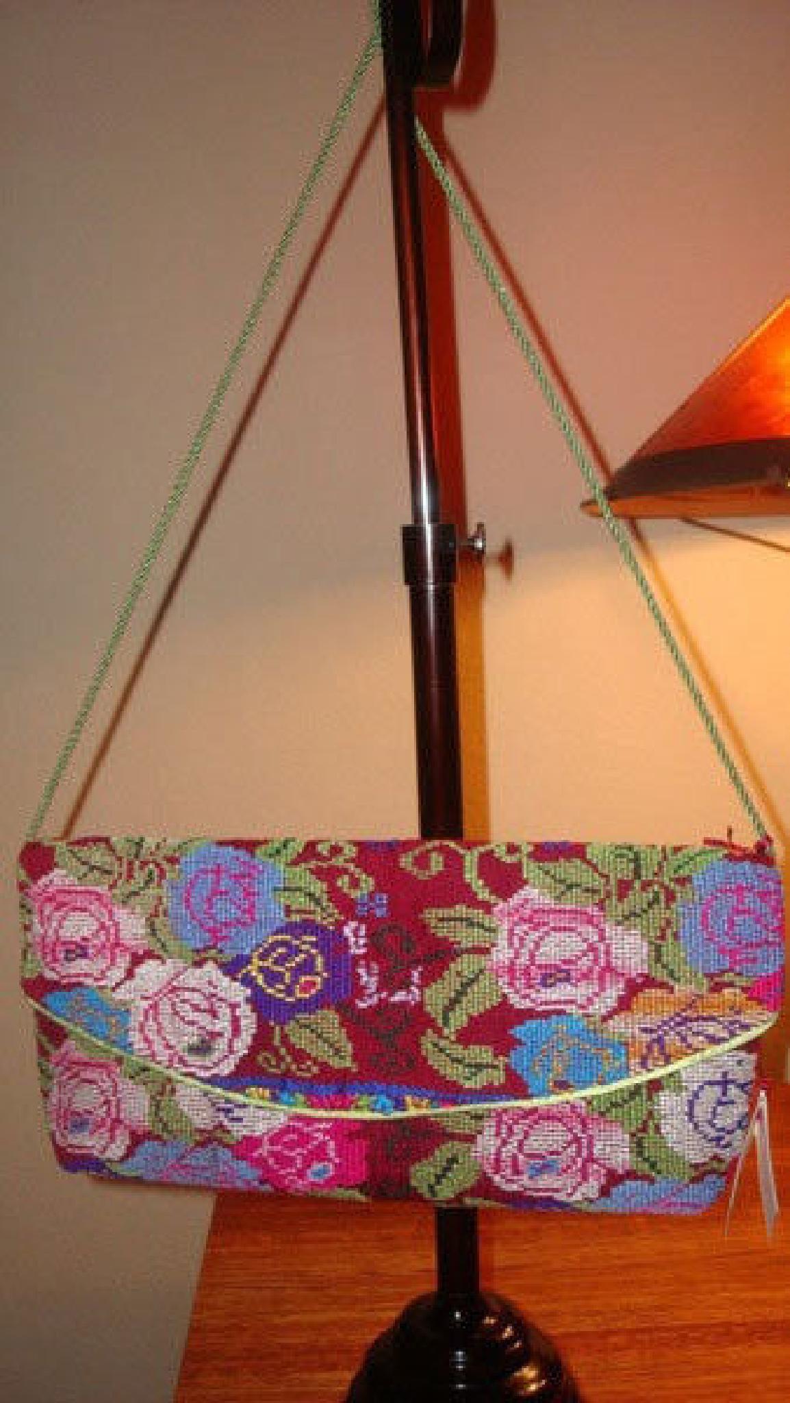 Handmade Embroidered Purse Shoulder Bag by Createnativa