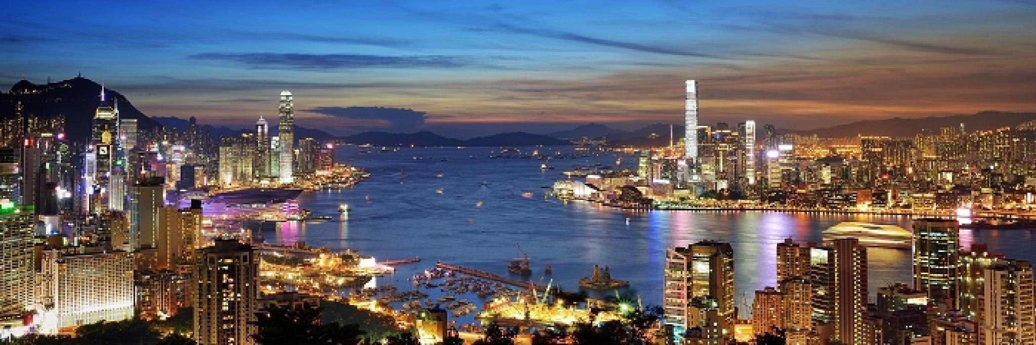 Hong Kong night scene by colonelnikon