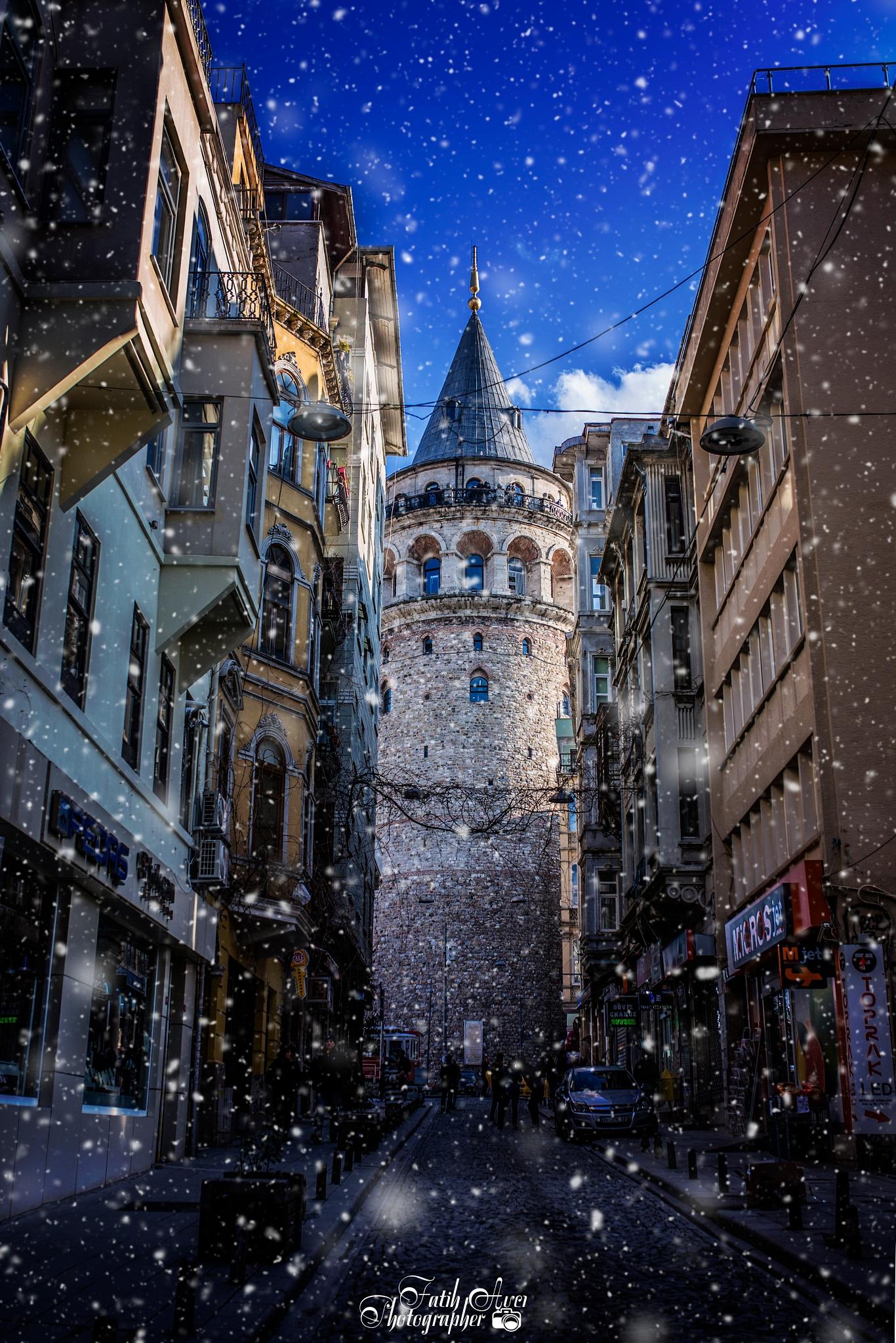 Photo in Street Photography #followme #follow #instagram #photogoodday #like #likeforlike #galata #galatatower #galatastreet #istanbul #turkey #snow #cold