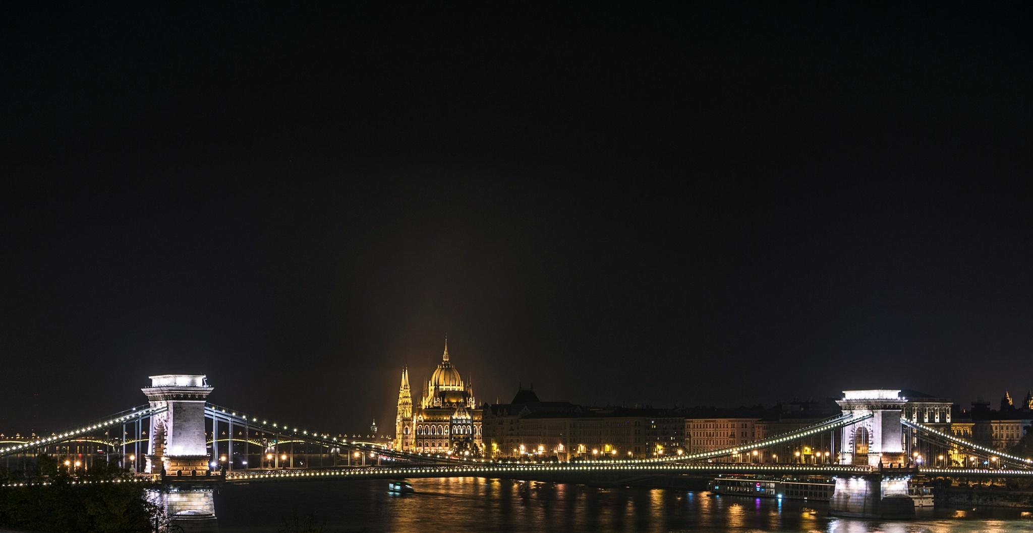 Budapest by NenadO