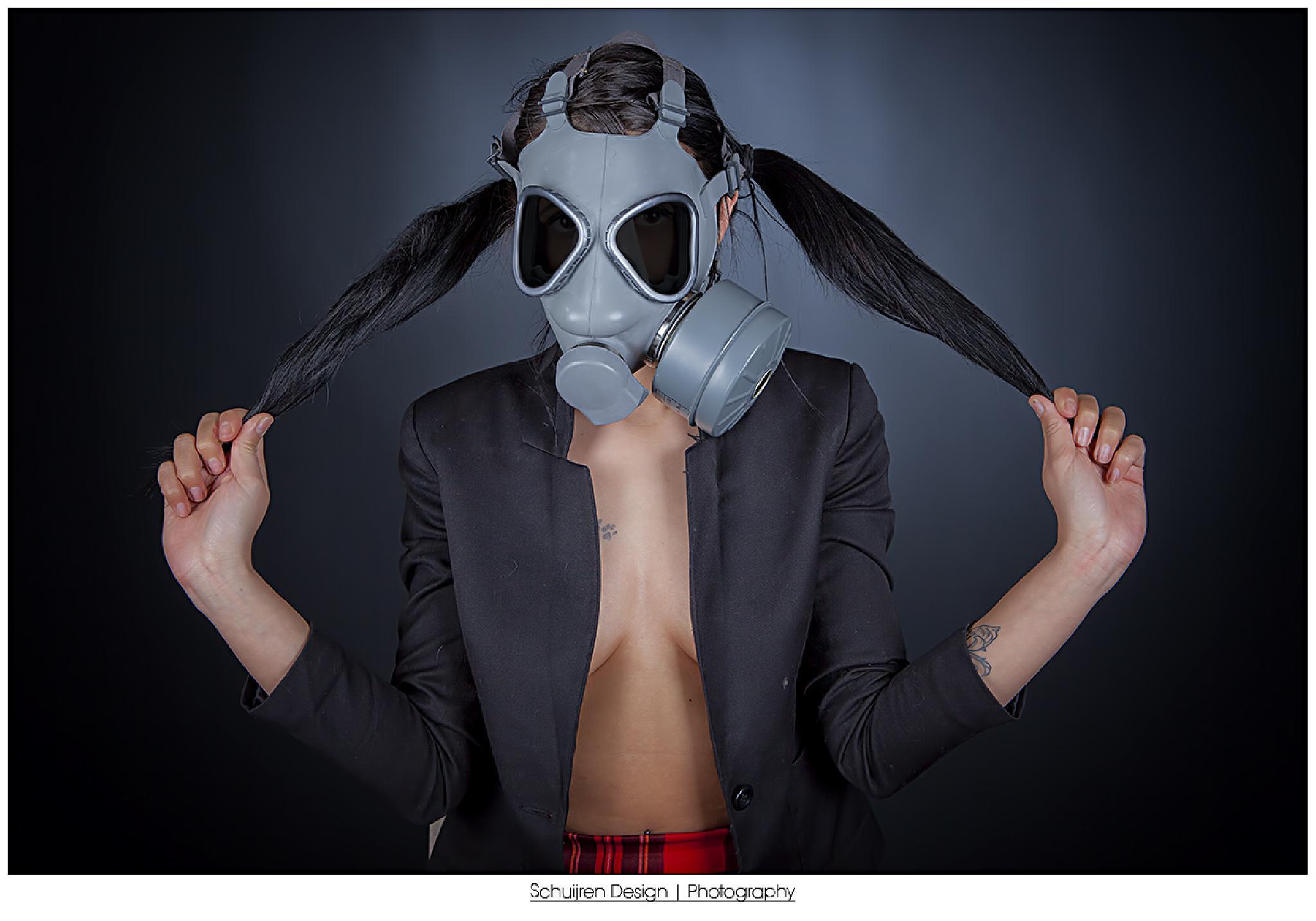 gasmastk shoot by Schuijren Design
