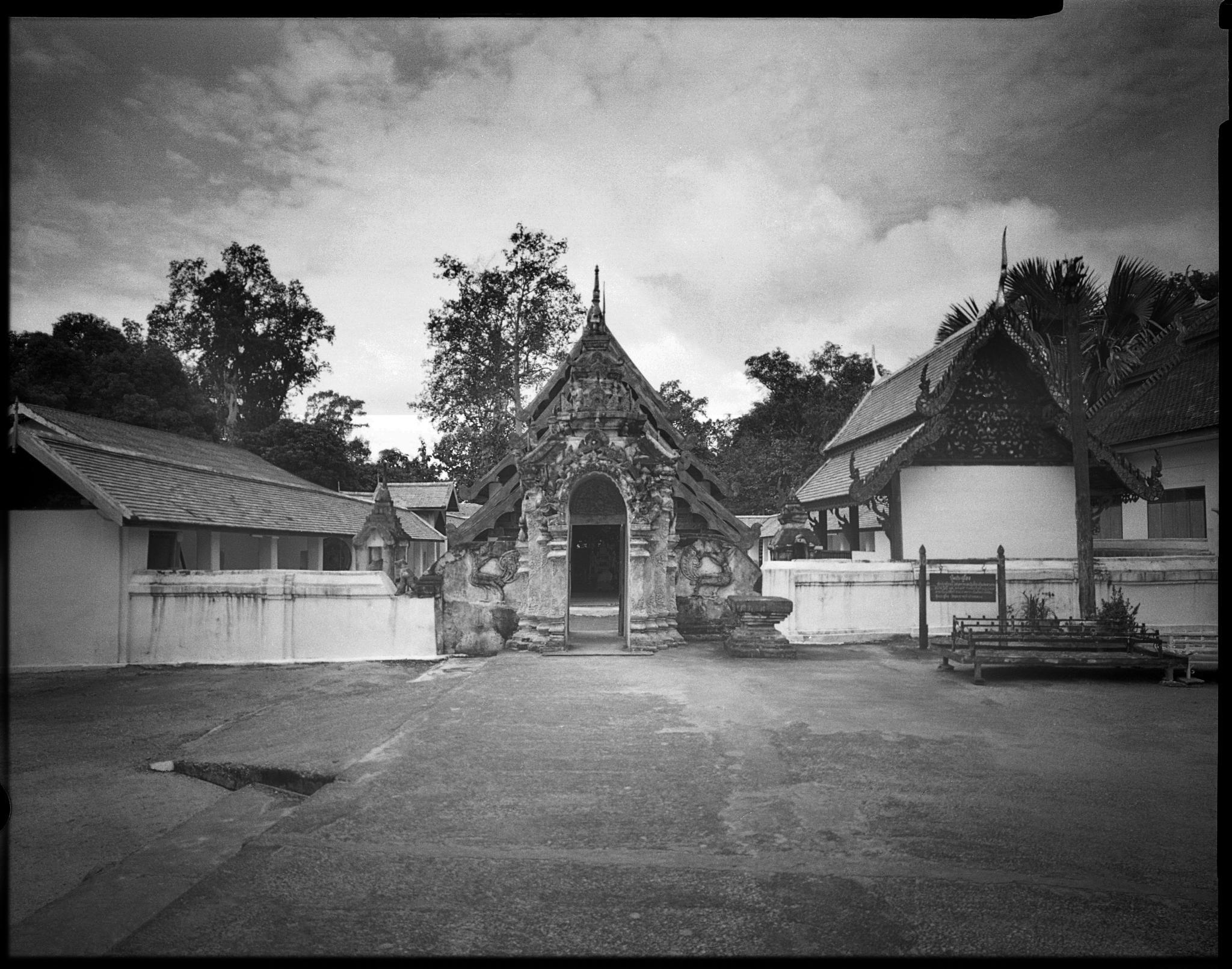 Lampang Temple by Jon Voranart
