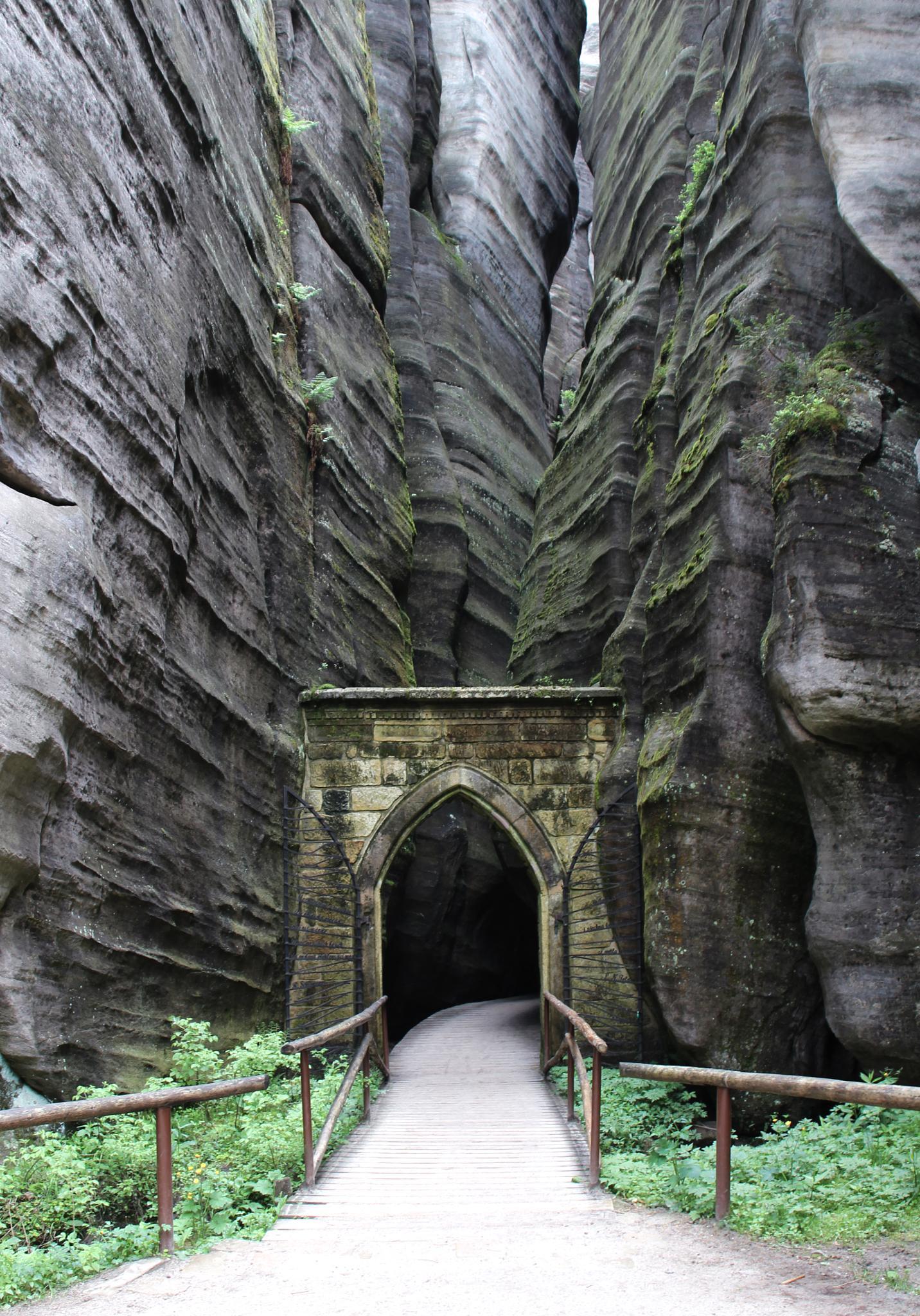 Adršpach-Teplicer Felsen - Eingang by Heidi Stenmans