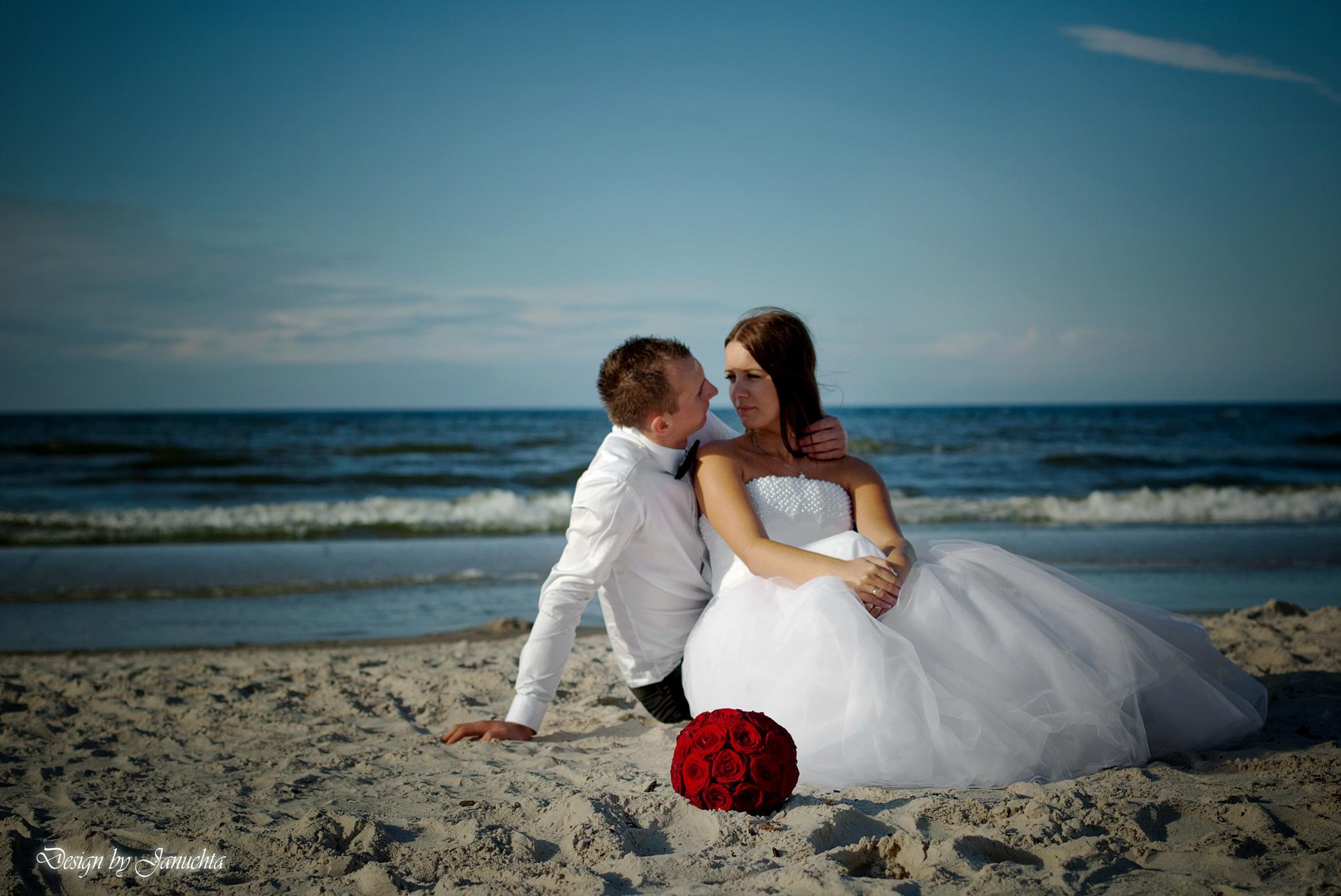 Wedding by Januchta