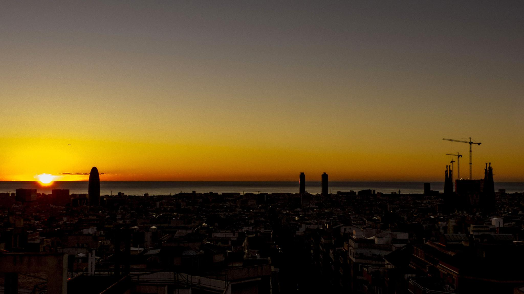 sunrise barcelona by joanlladoARTS