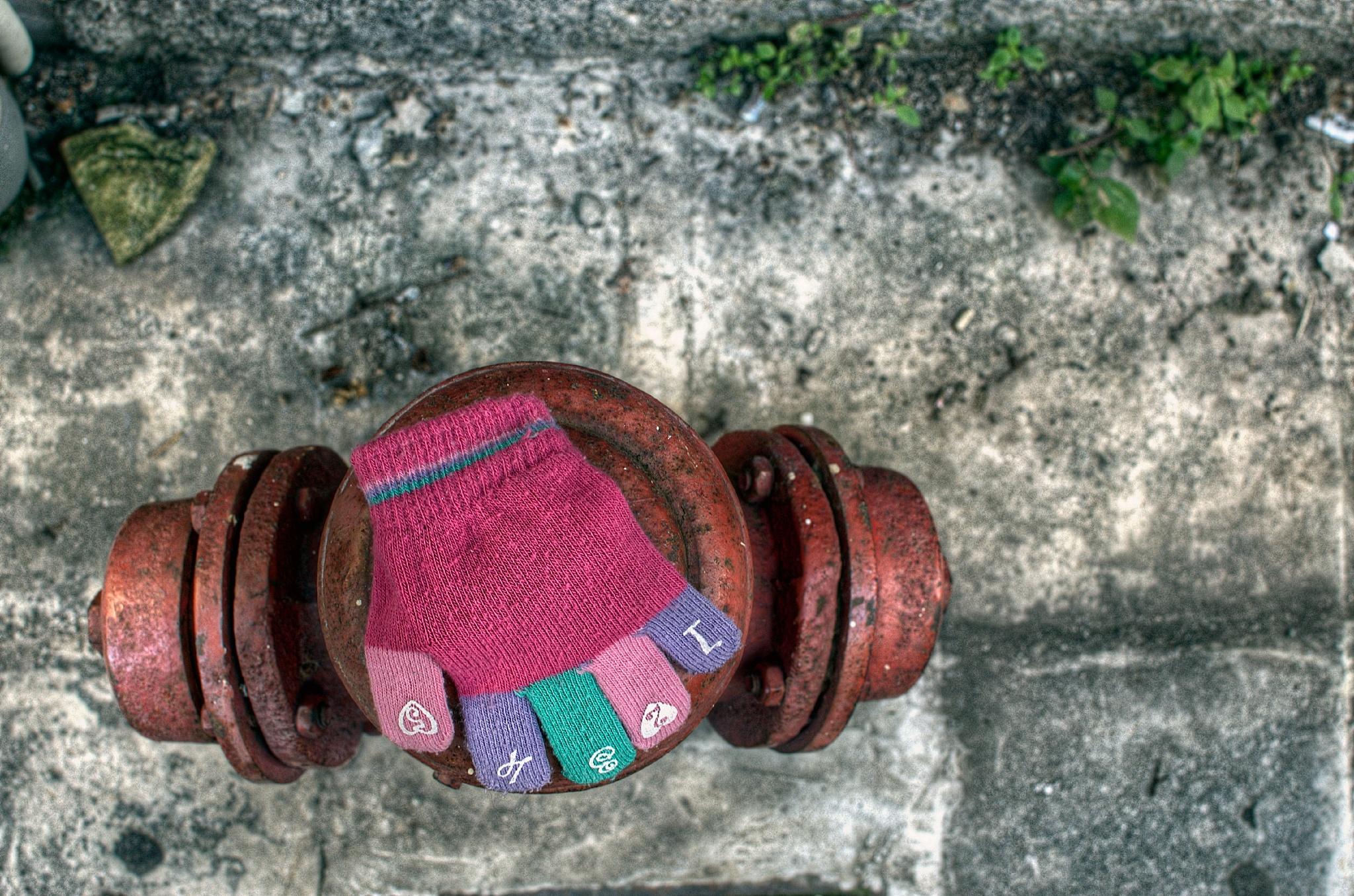 The tiny glove by  Sotiris Hartzavalos