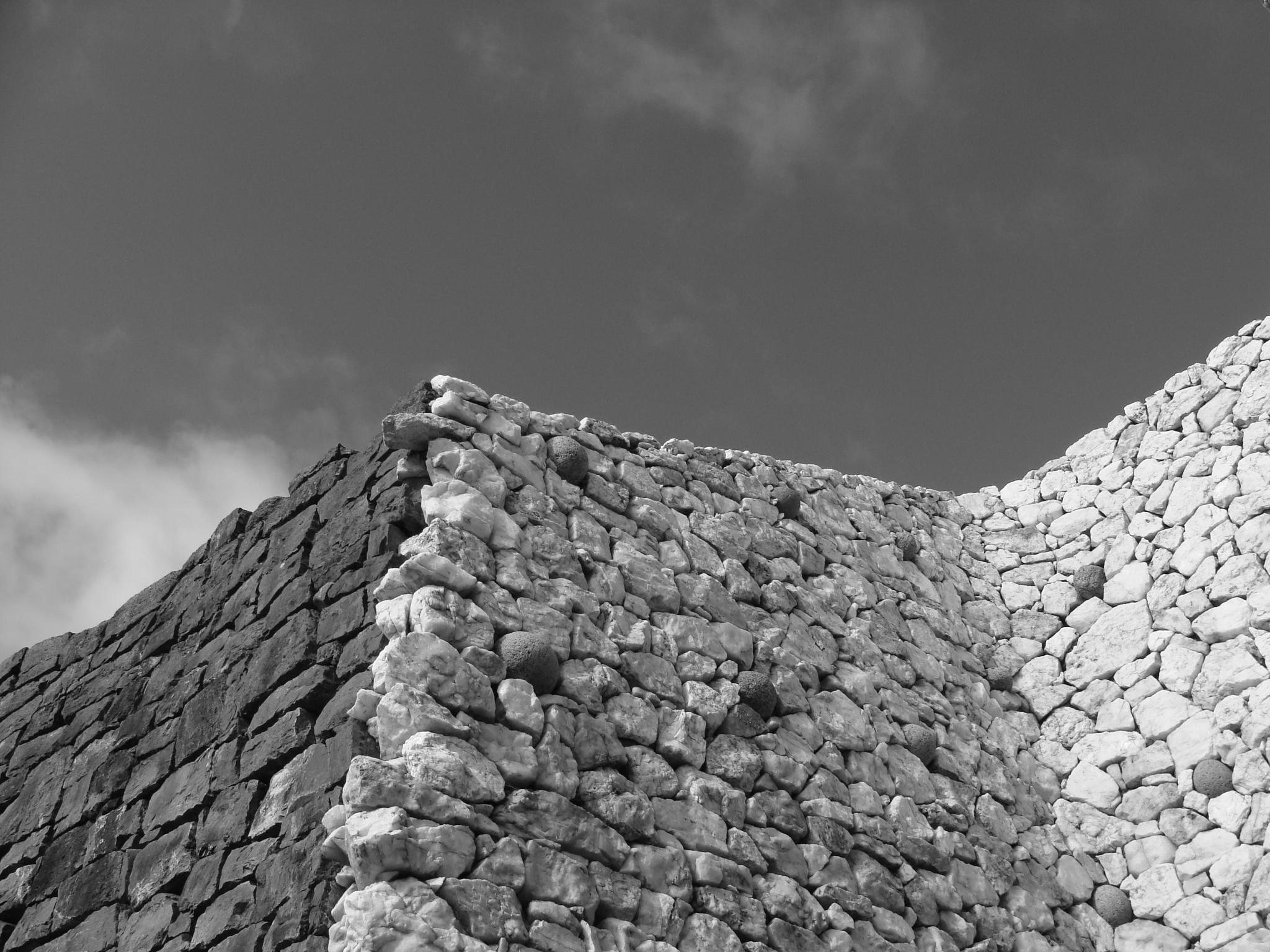 Newgrange by Paolo Valle