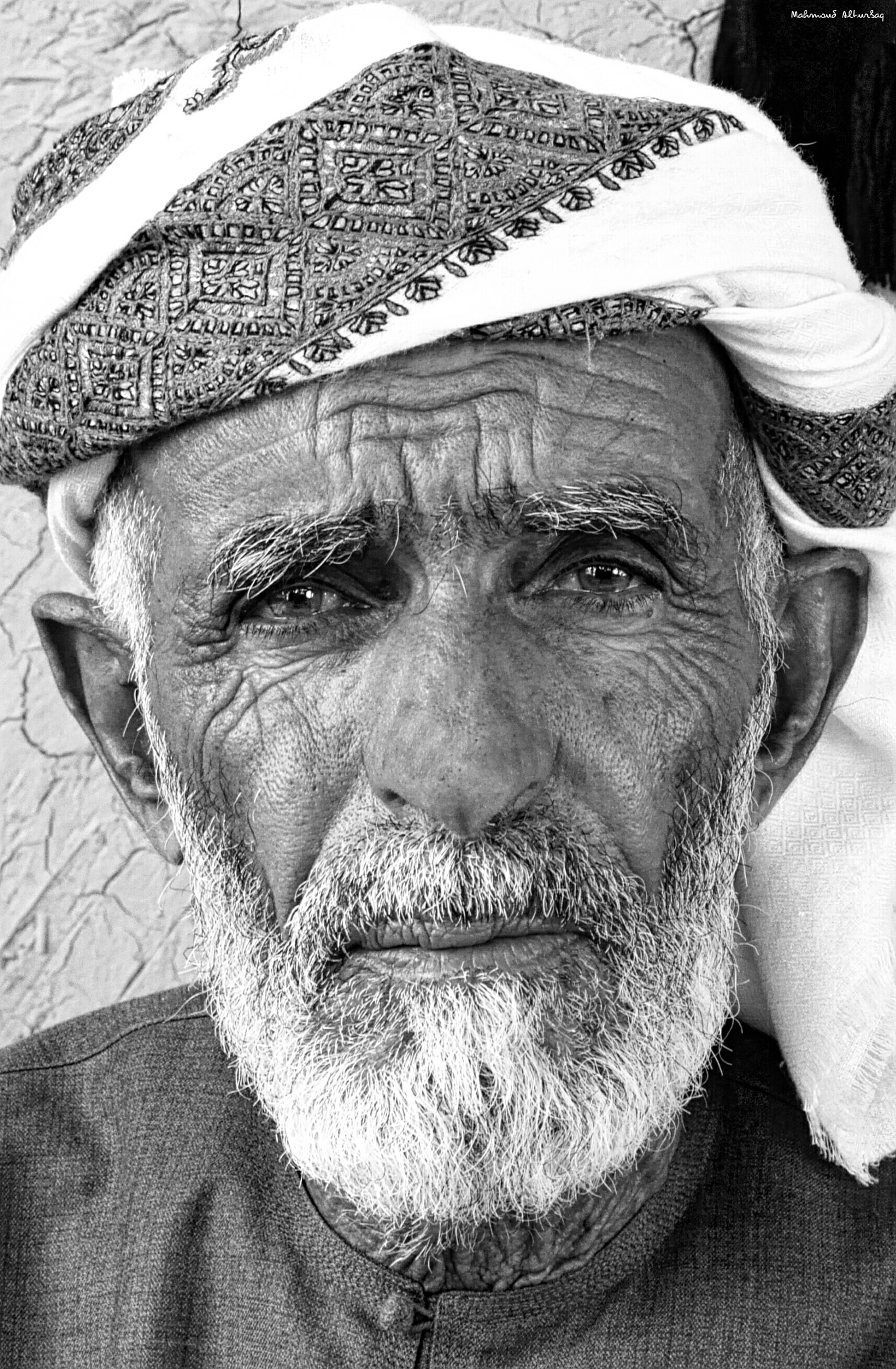 The old man's gaze by Mahmoud Alturbaq