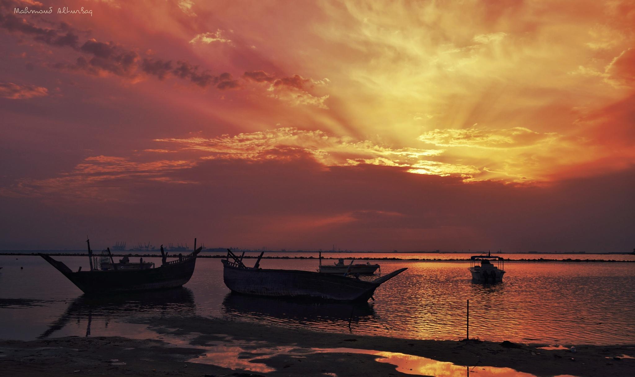 Amazing Sunrise by Mahmoud Alturbaq