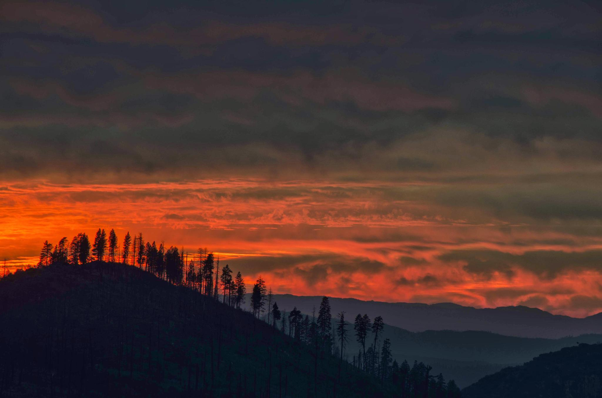 Cloudy sunset by RashedALSumaiti