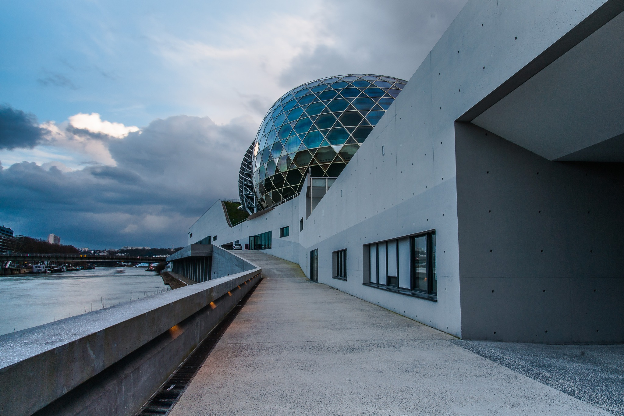 Sphere by Hervé Samson