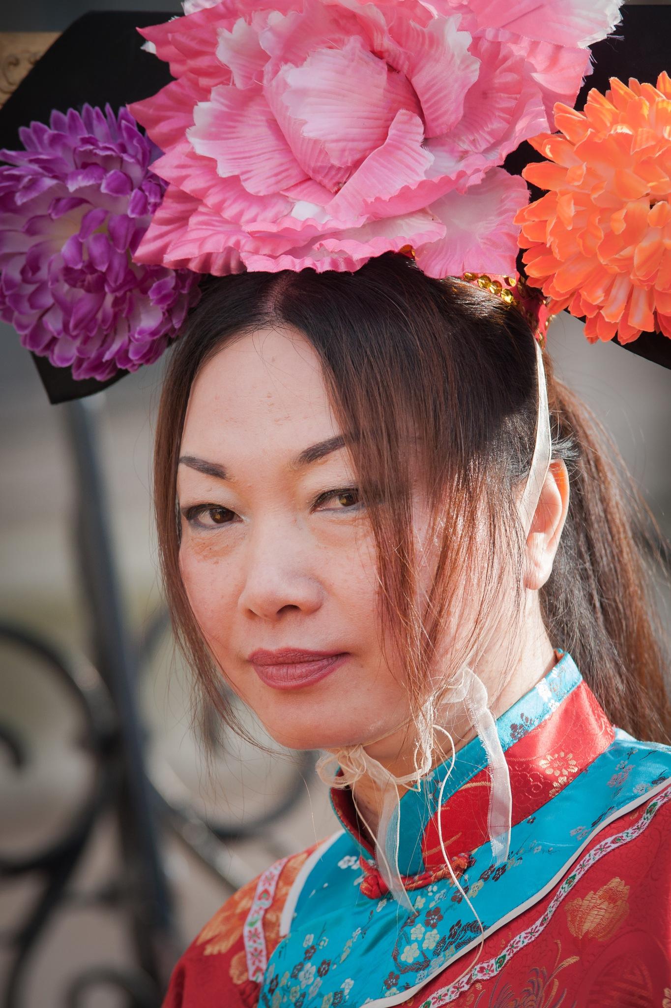 The flower lady by Hervé Samson