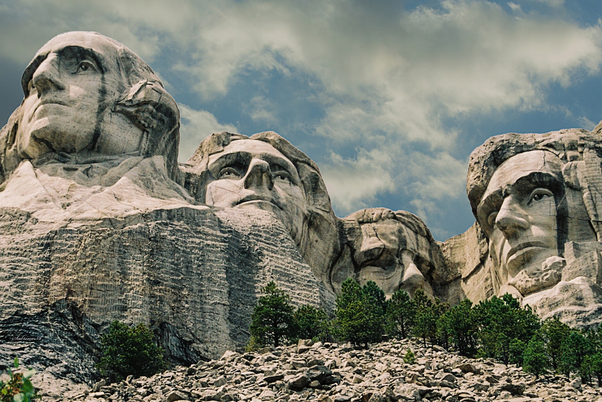 Mount Rushmore by SabrinaA