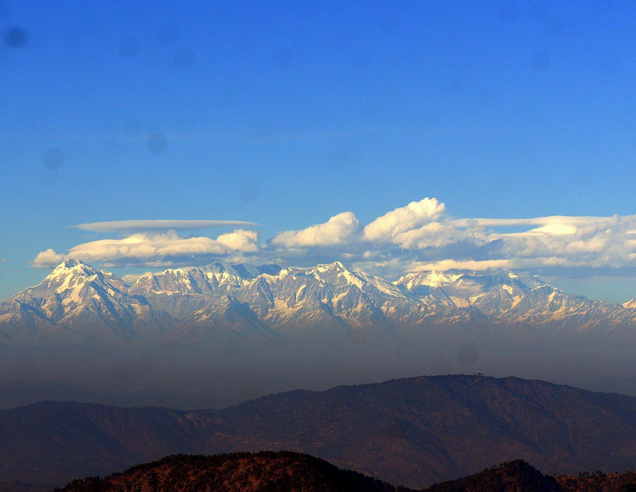 the himalayan range.... by Shubham Jain