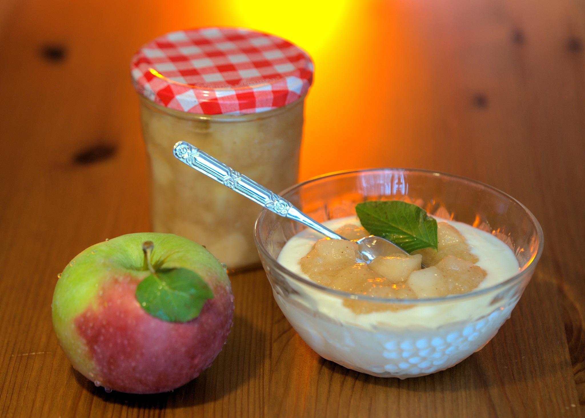 Apple sauce by Ben Gagné