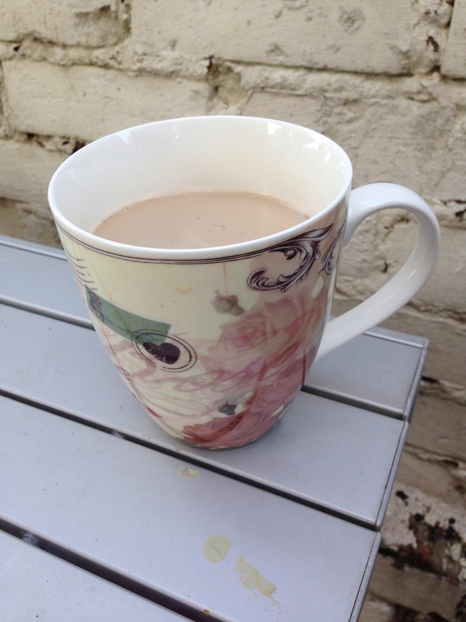 Kaffe gekleckert by Marianne Fischer