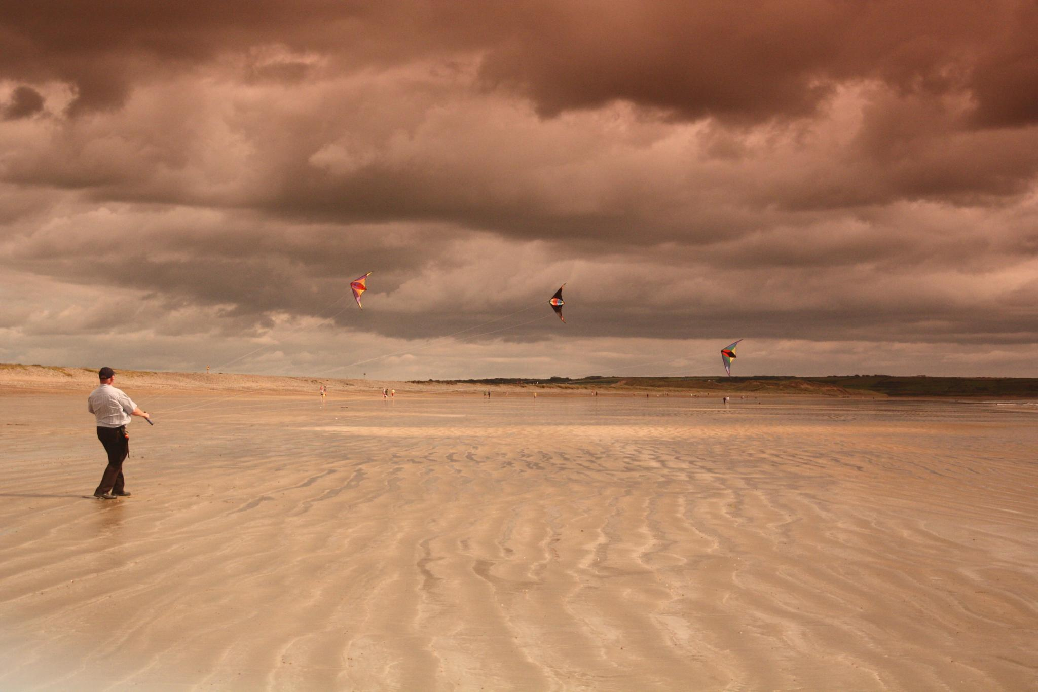 Kiter on Tramore Beach by Melfan