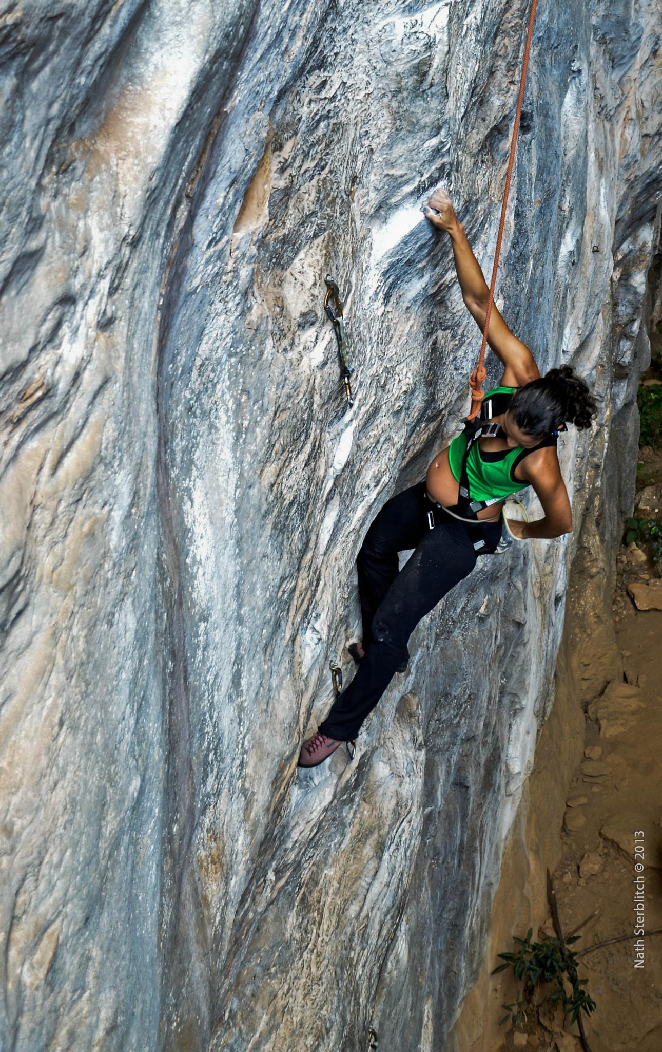 Mara Imbellone, pregnant, climbing in Serra do Cipó by nathsterblitch