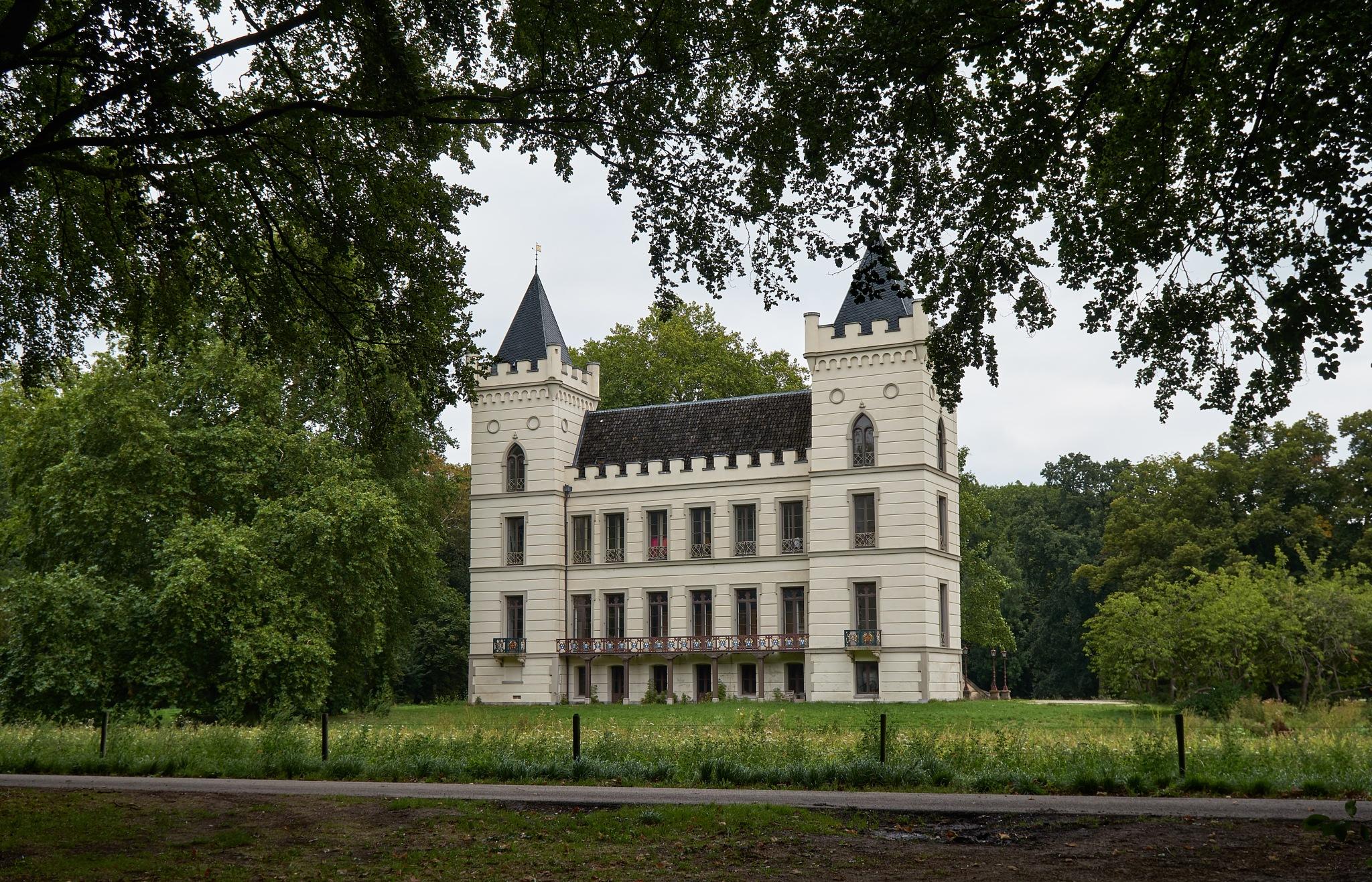 Castle Beverweerd. by Zapp