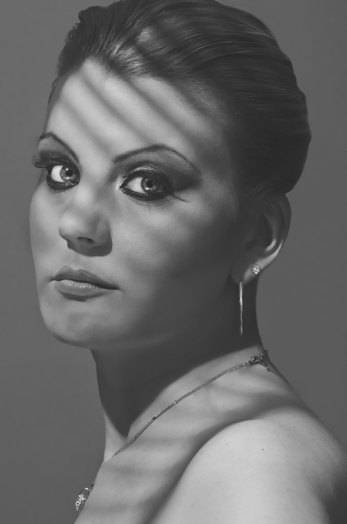 Melanie Mason by G Robbani