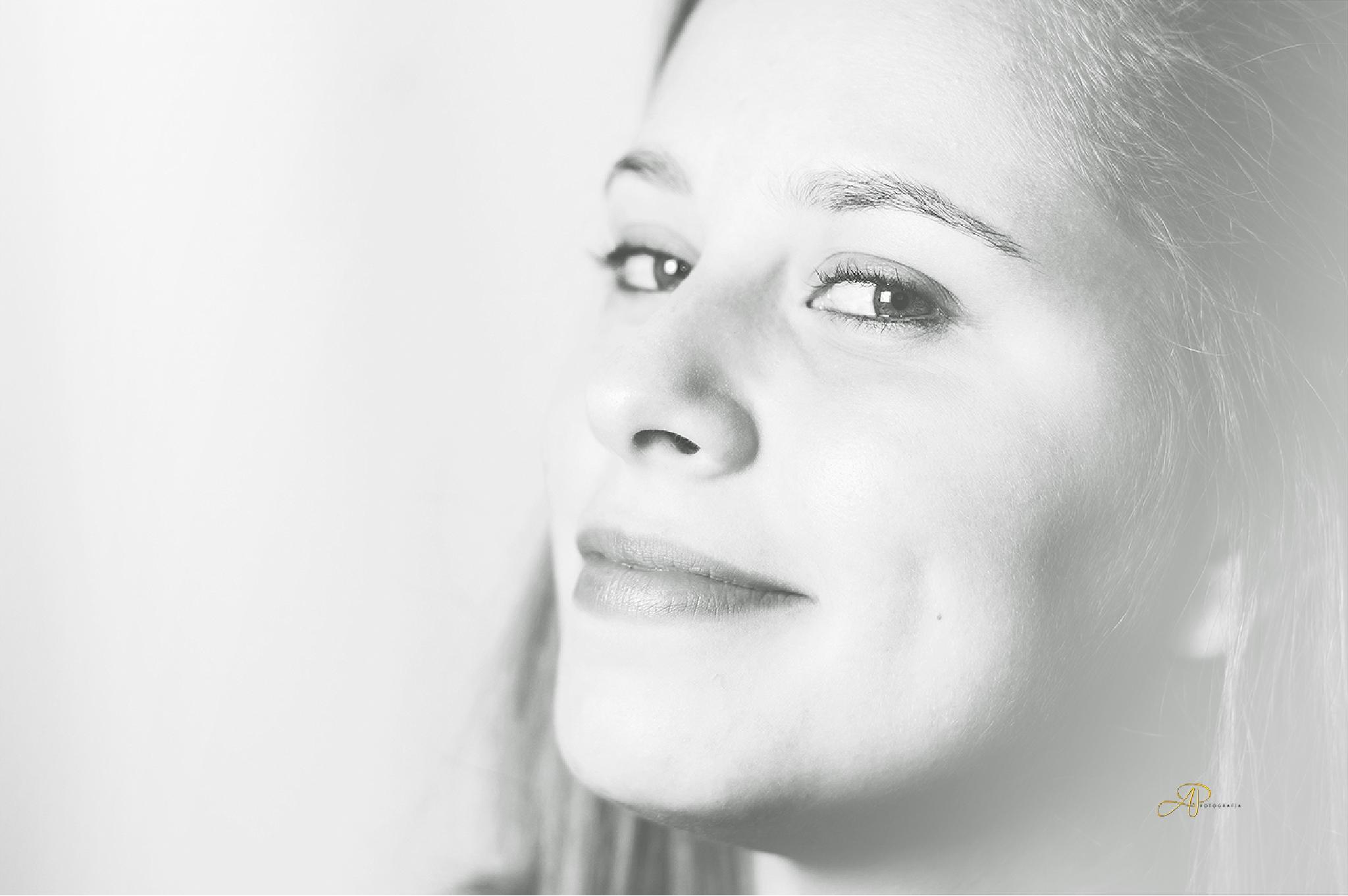 Karina Rogge by Assis Pereira