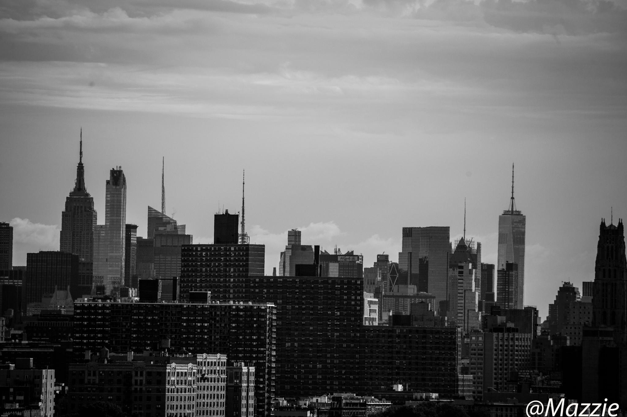 Manhattan by Mazzie Ito