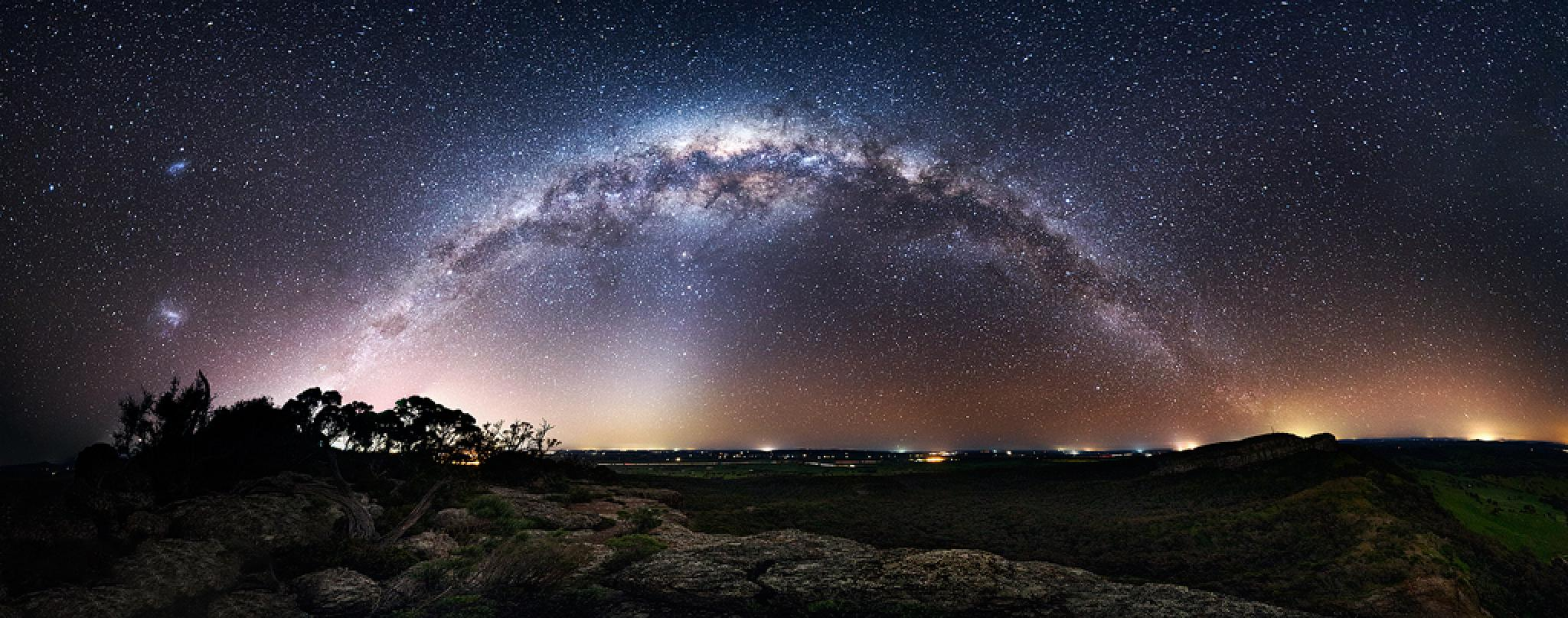 panoramic starry sky at night by Visuelle Forensik