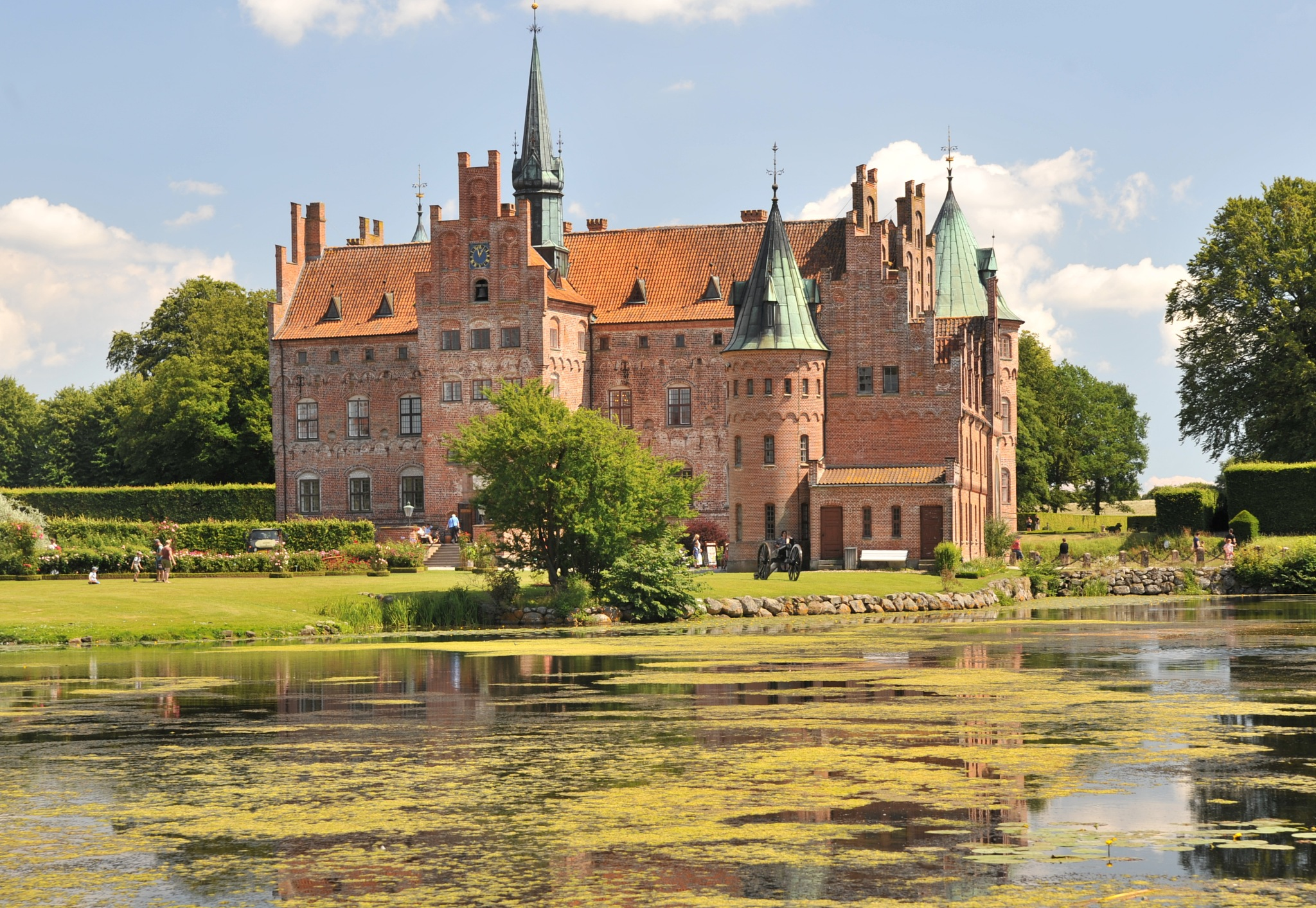 Egeskov castle  by EsbenDK