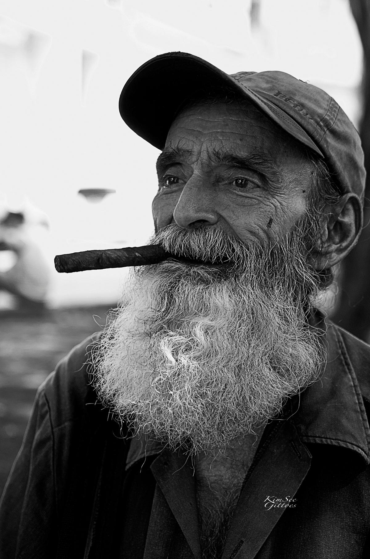 Cuban men and his cigar by KimSee