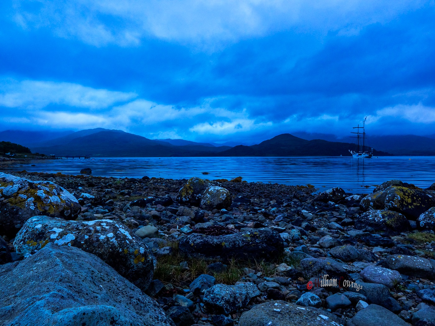 Dawn at Loch Spelve by williamcowings