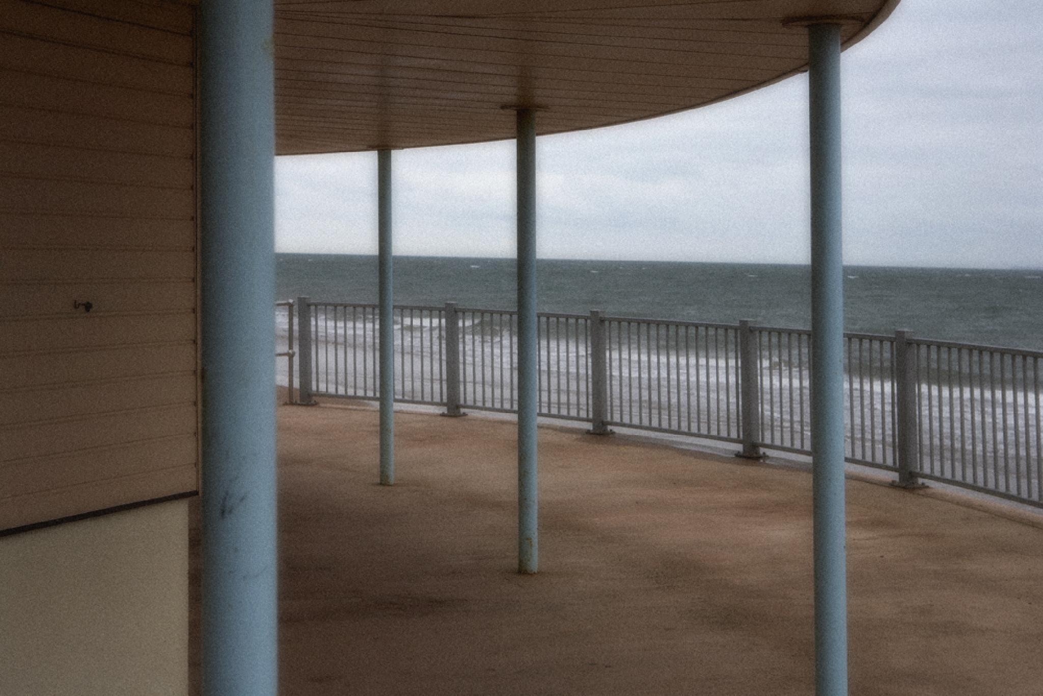 Exmouth Sea Front by davehare