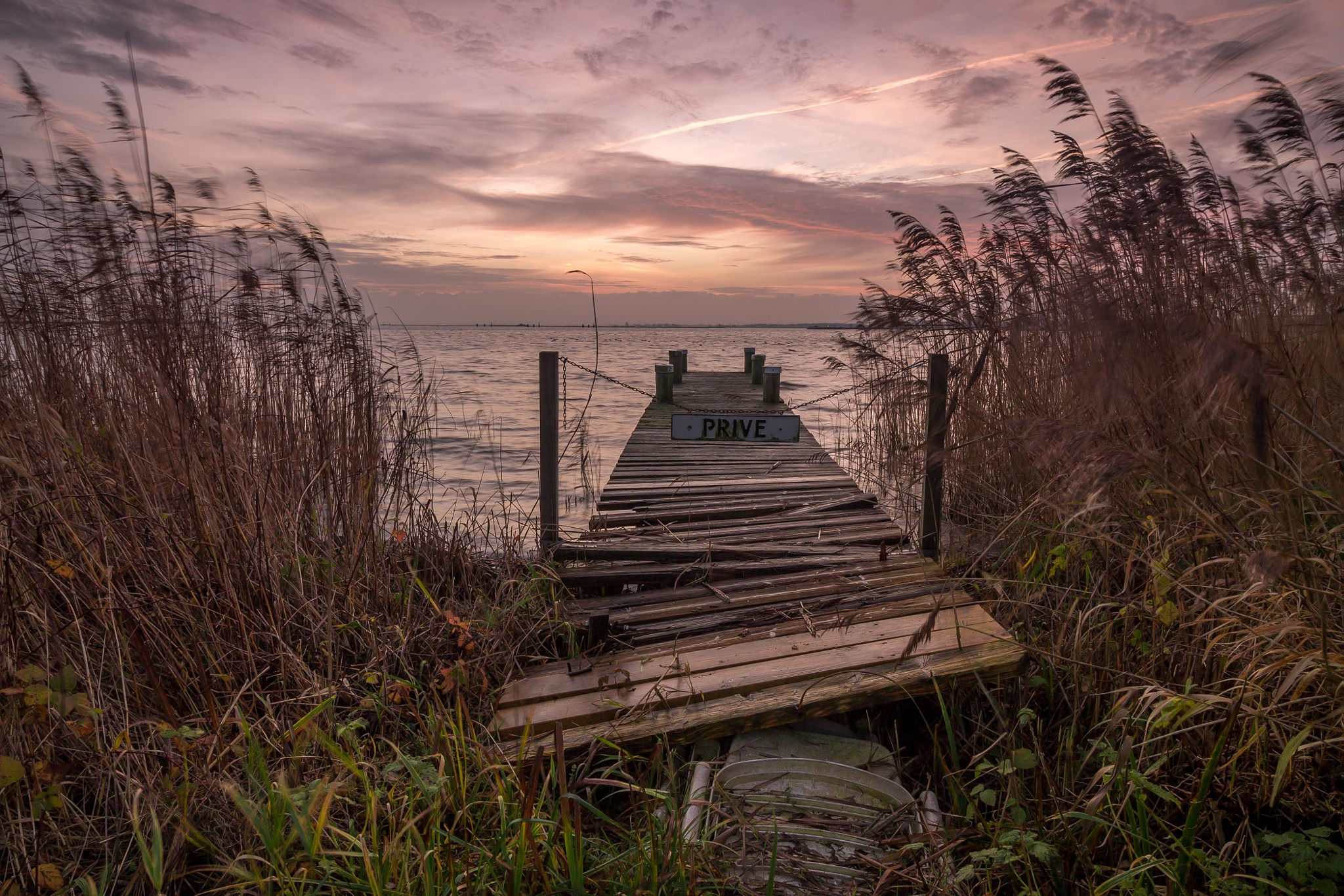 One of the many jetty's at Durgerdam by Stef van Winssen