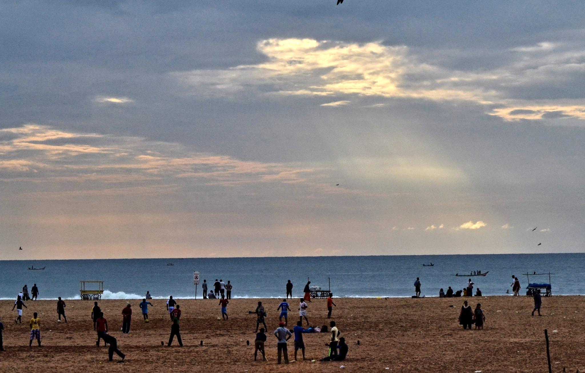 Marina Beach, Chennai by Radhamadhavan K S
