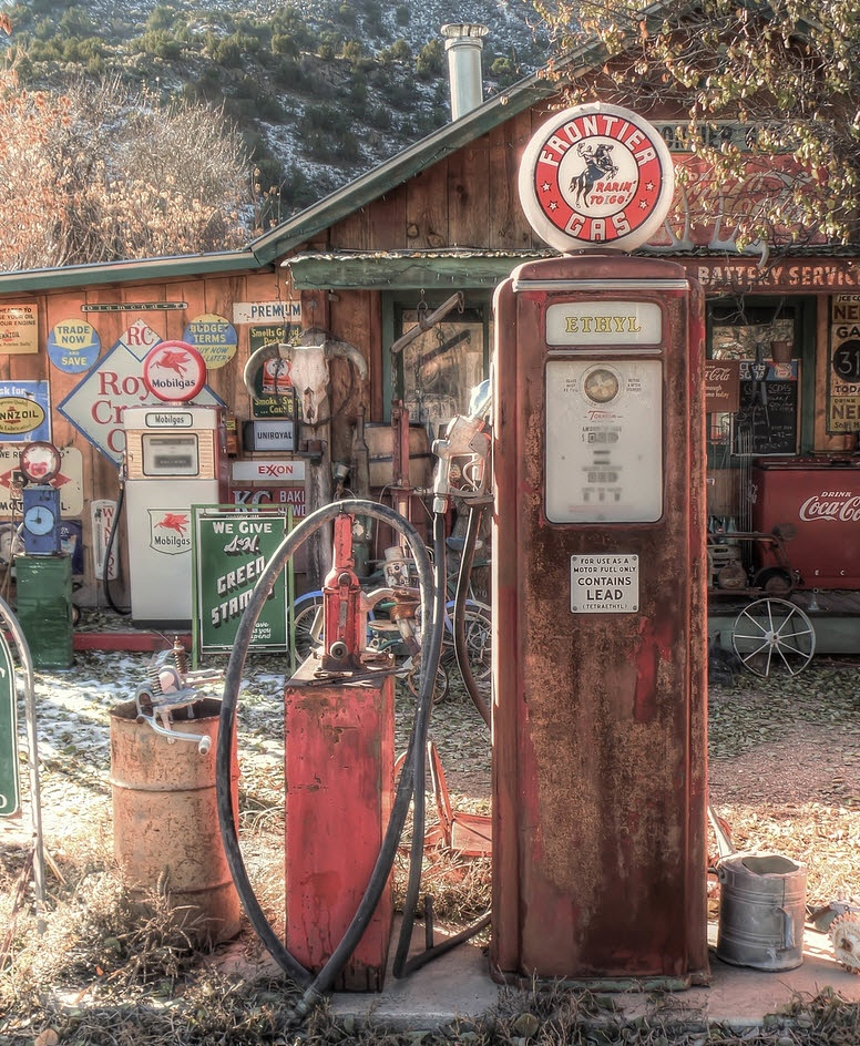Vintage Pump by FuzionWorx