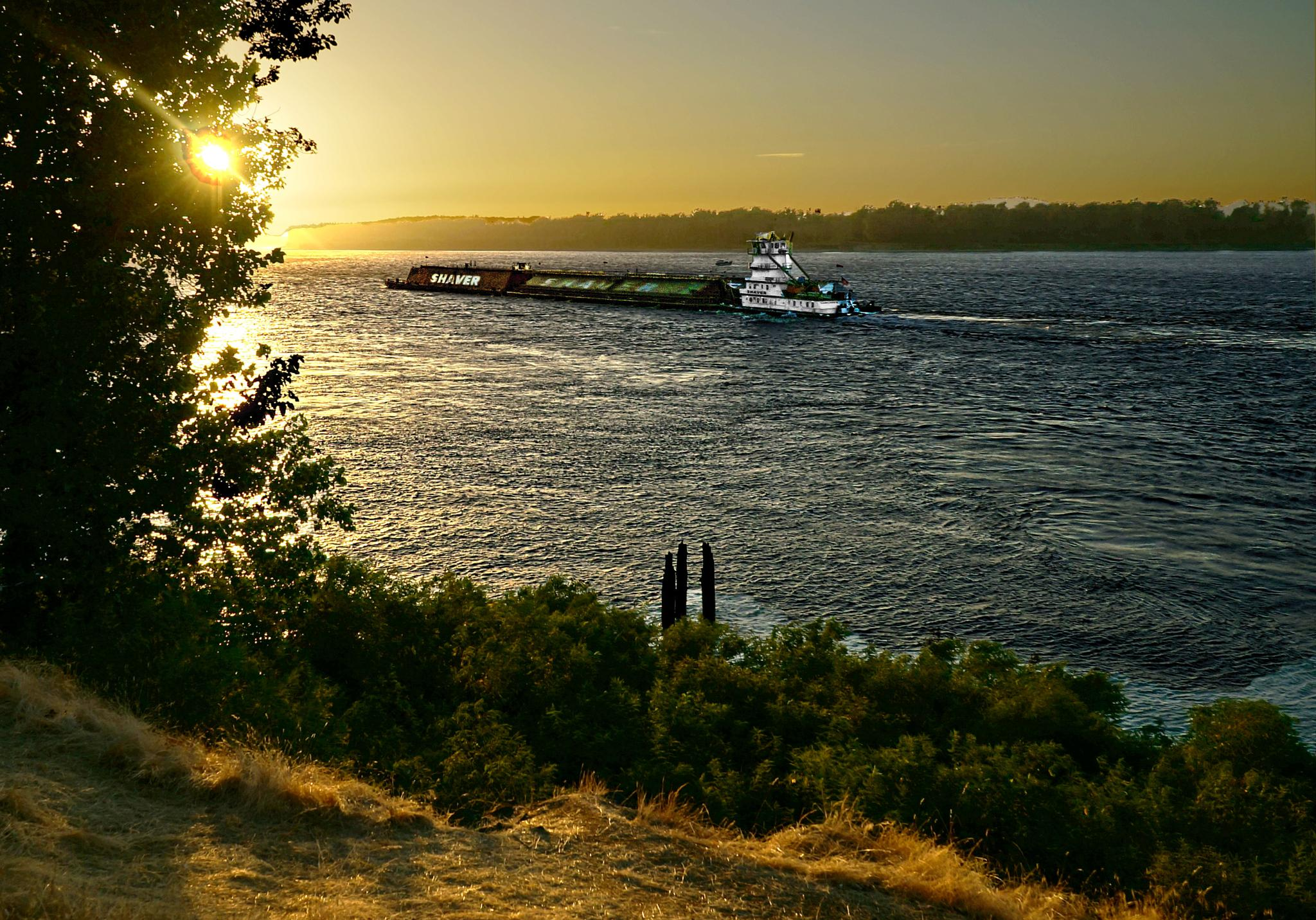 Columbia River Sunset by Jack Harwick