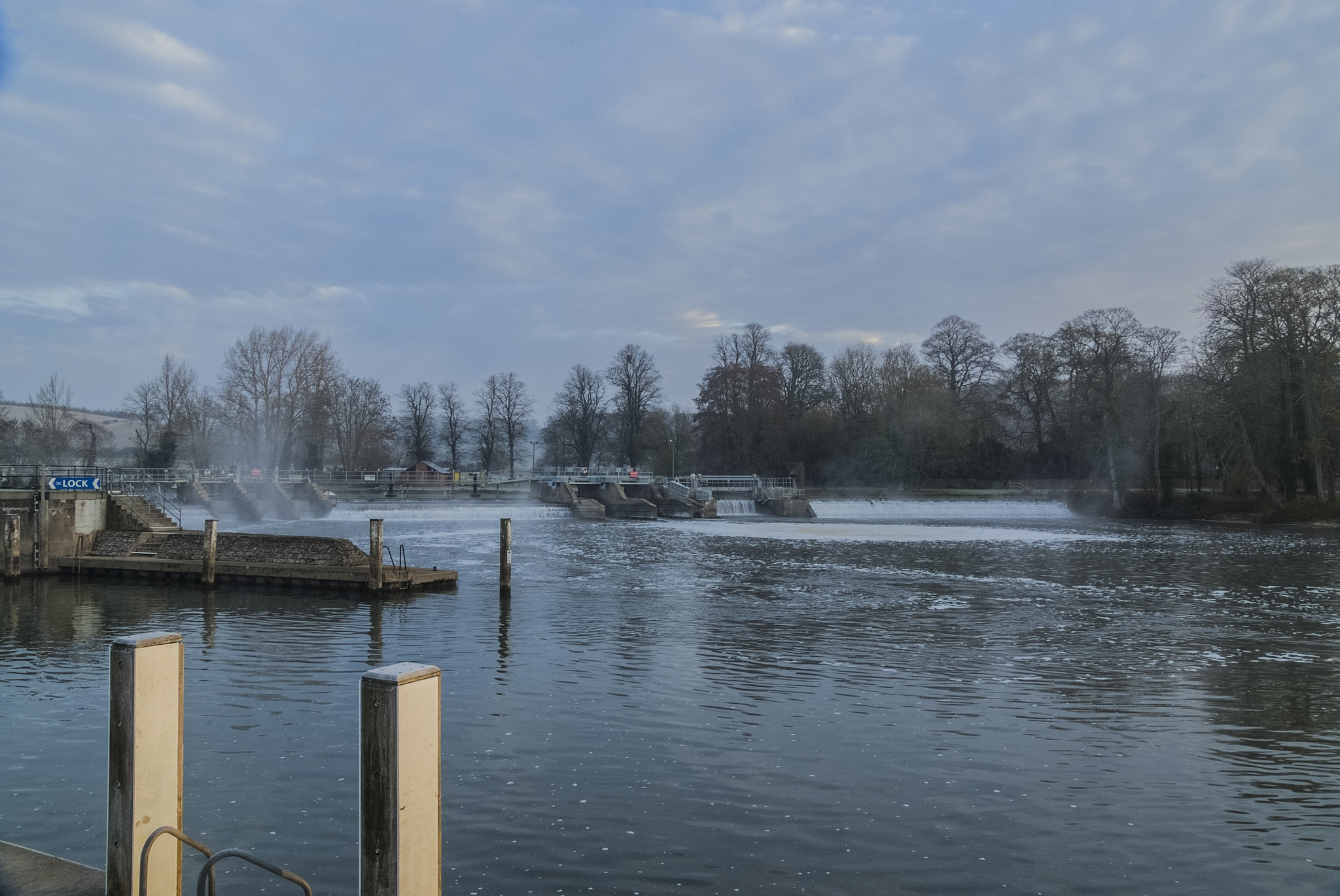 Mapledurham Lock and Weir  by Jim Hellier