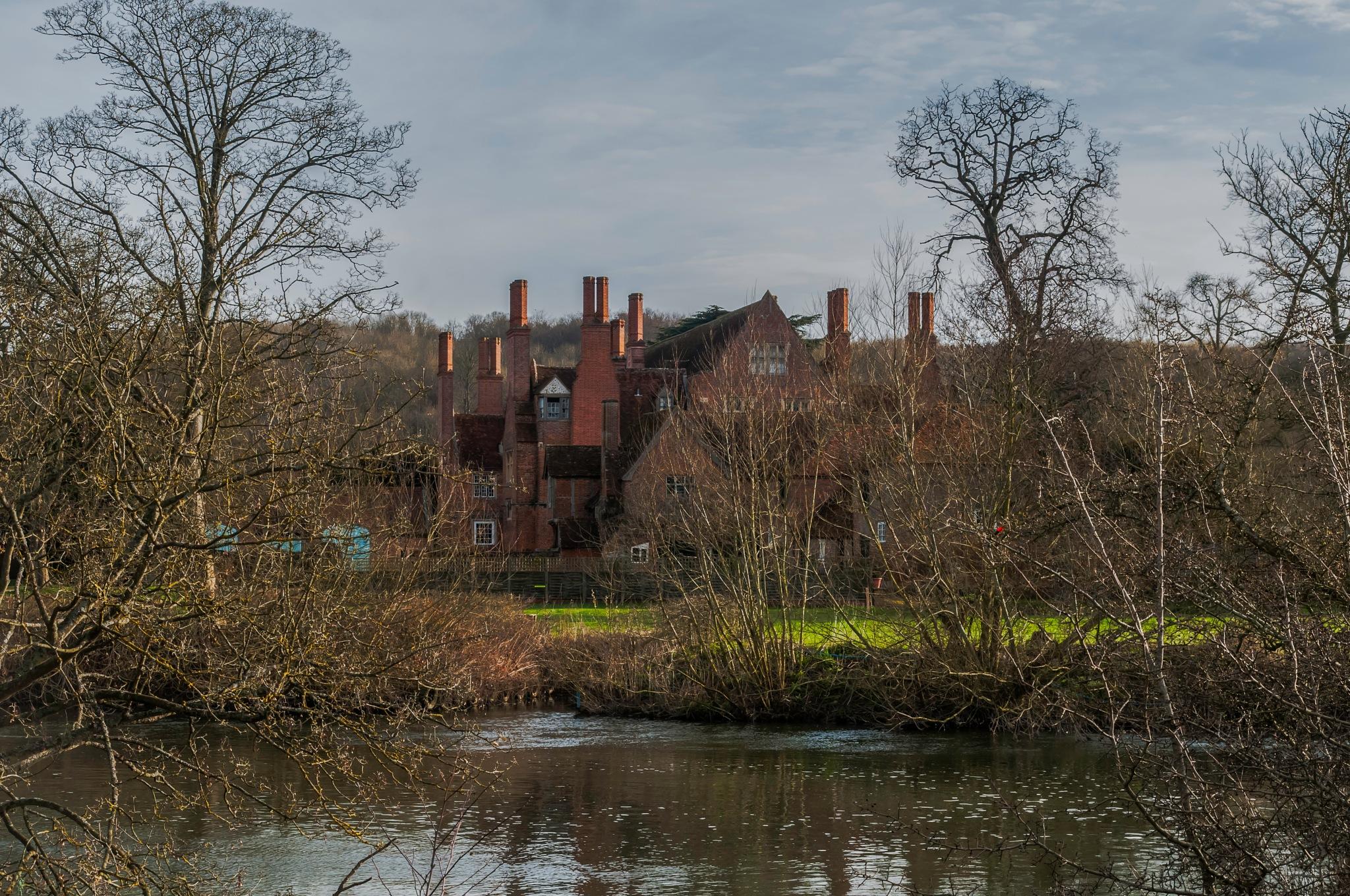 Mapledurham house by Jim Hellier
