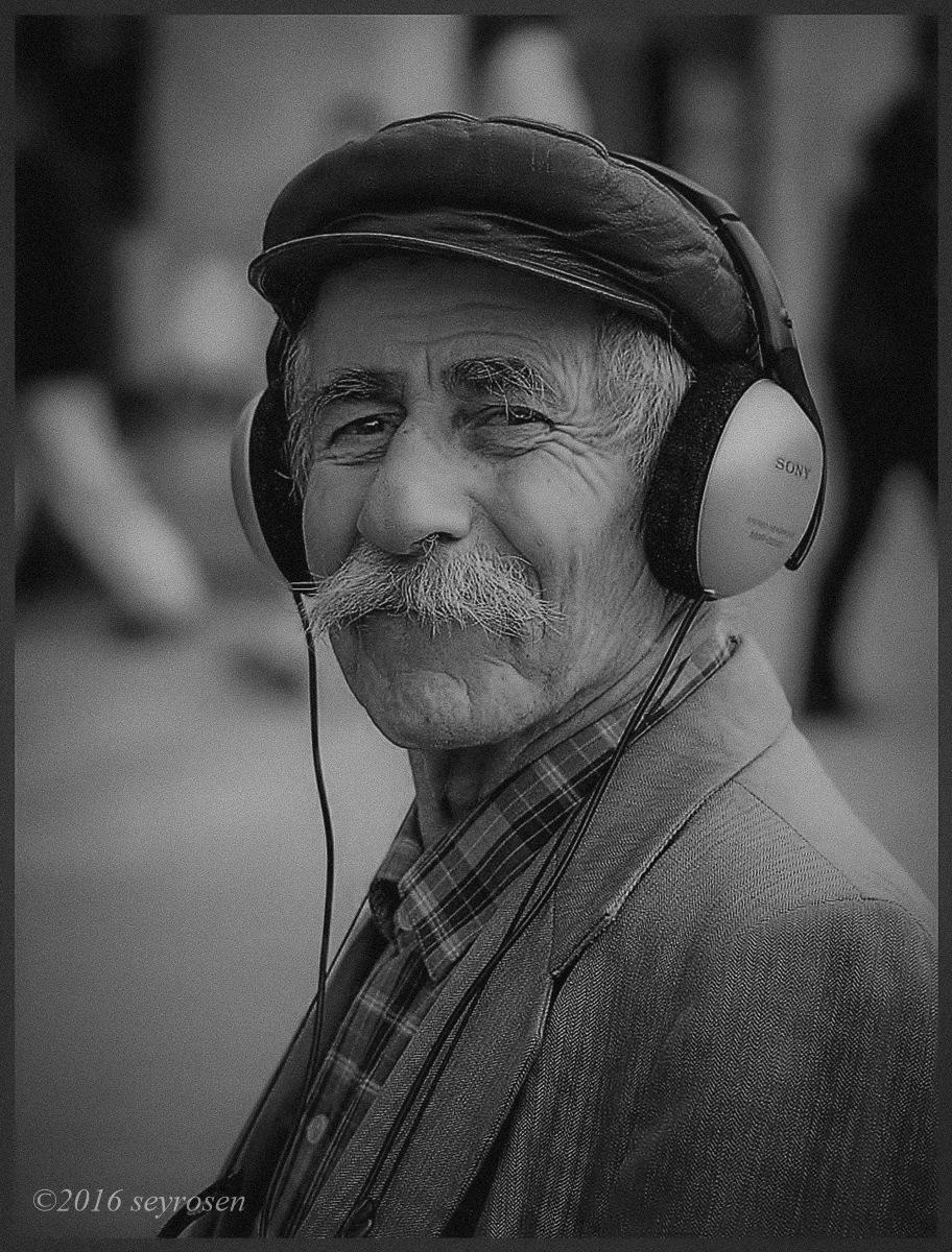 street shades of gray... by seyrosen