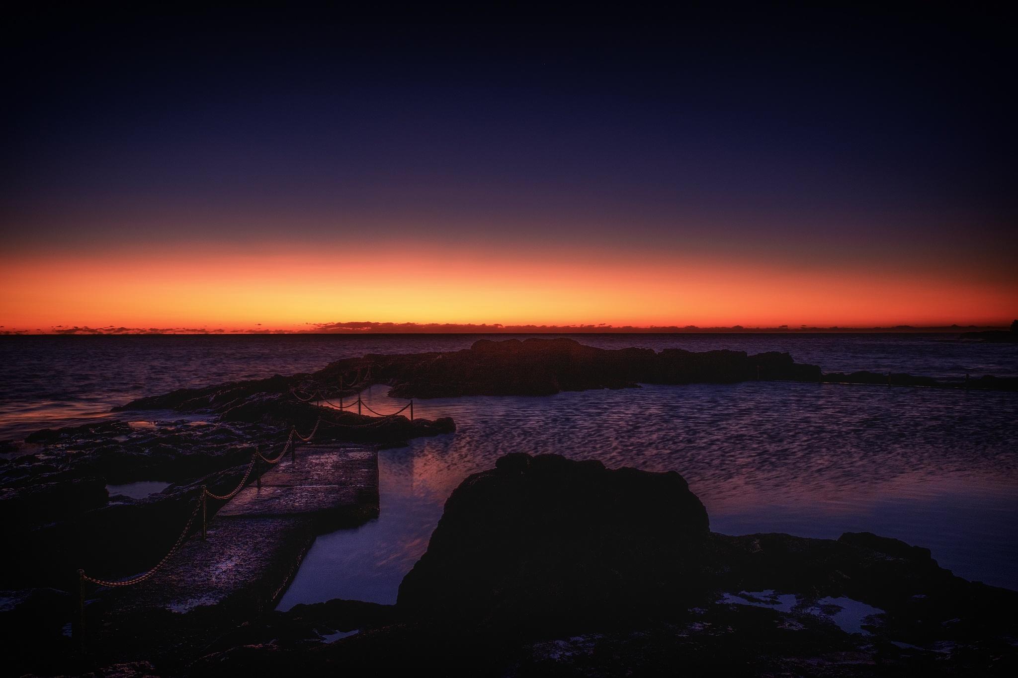 Kiama Rock Pool by Peter Medbury