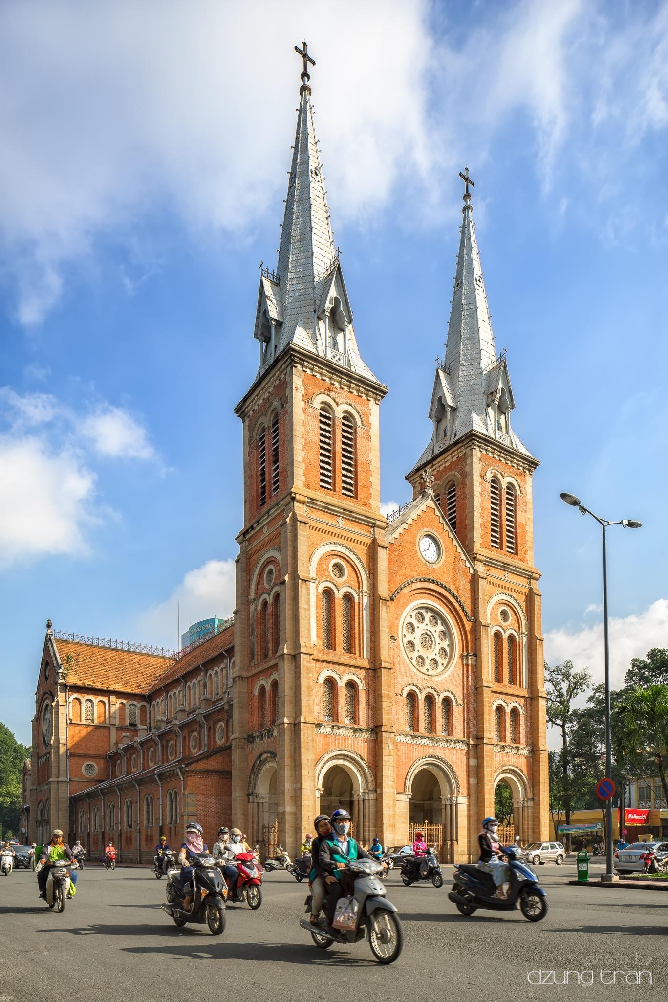 Cathédrale Notre-Dame de Saïgon by Dzung Tran