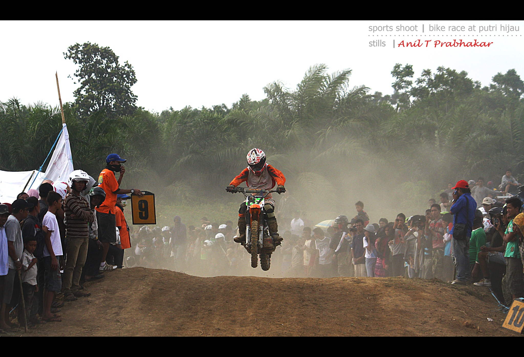Motor Cross by Anil T Prabhakar