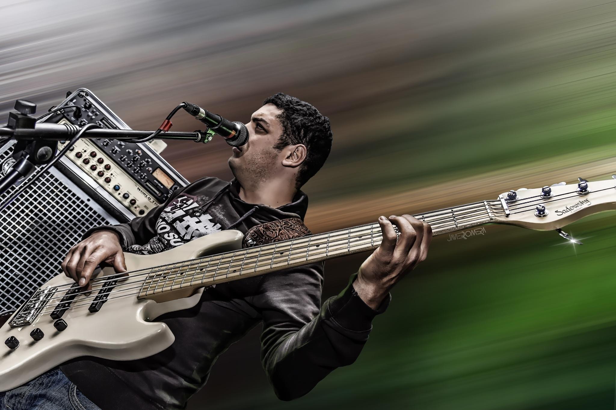 Bass Hero by Javier Romera