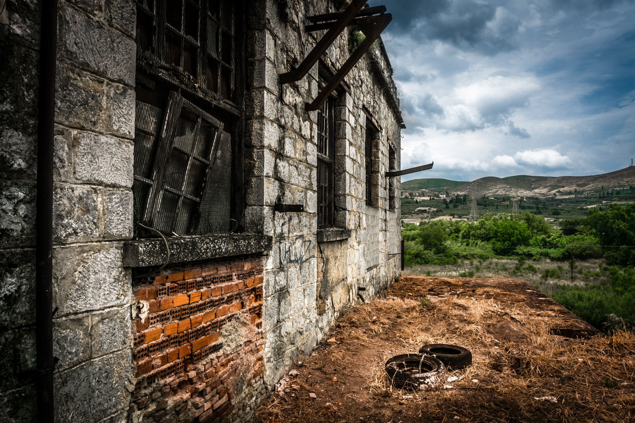deadWindows and emptyTyres by lightFrames - Pictures