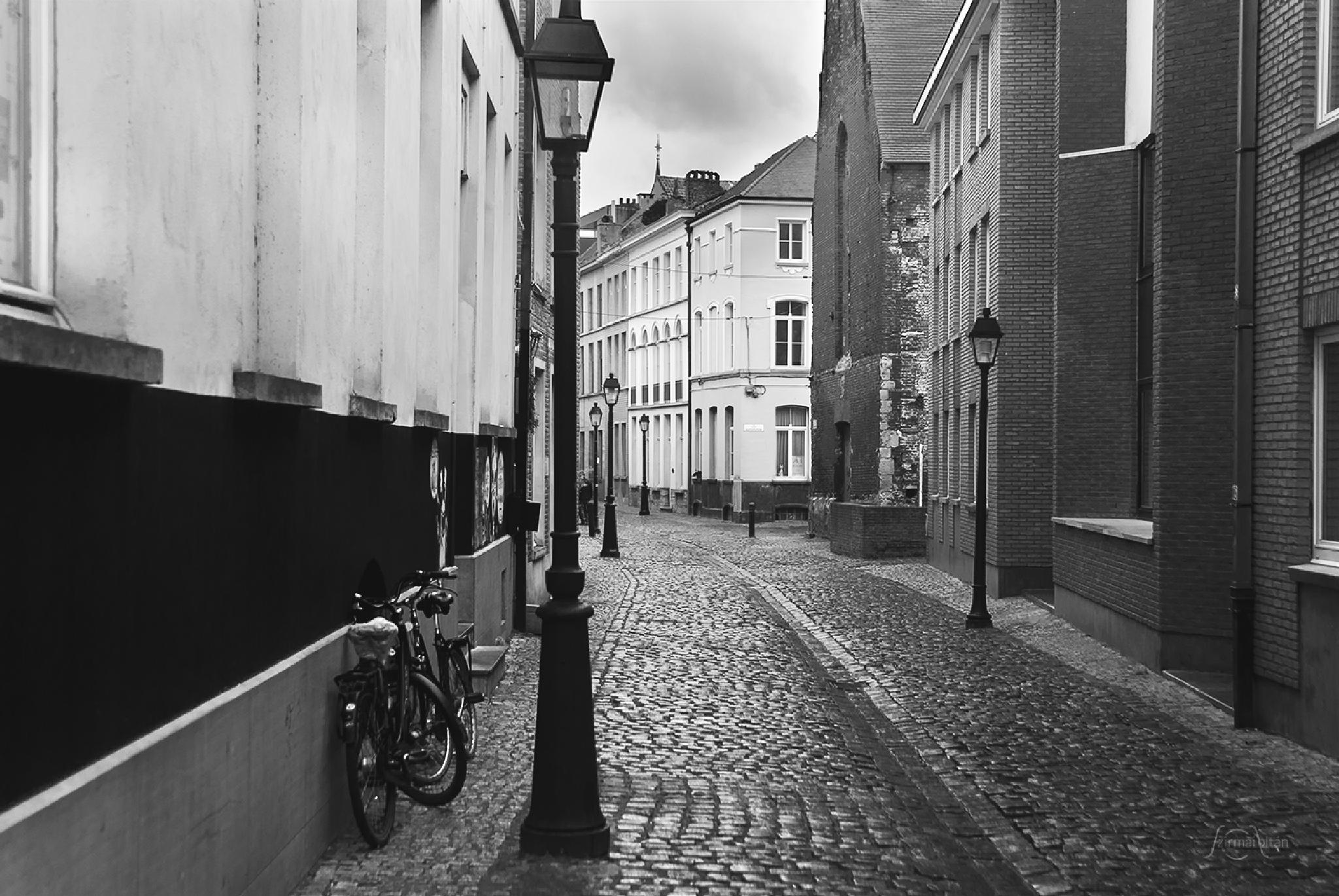 Gent by ZoltanSzirmai